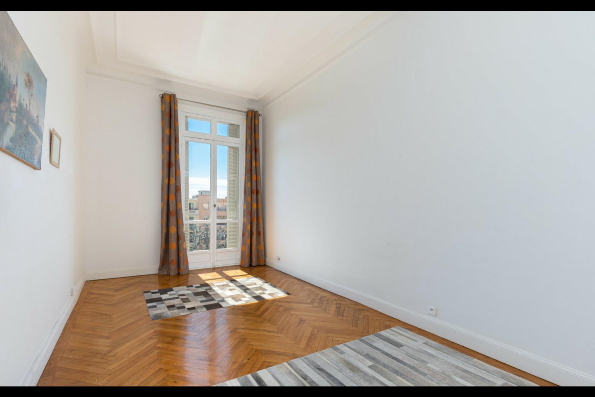 image 3 - Appartement À vendre Nice Cimiez - 6 pièces
