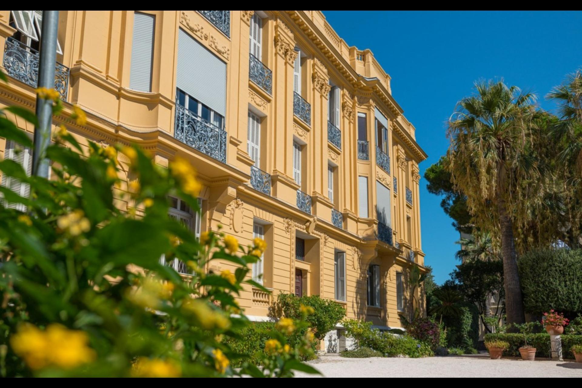 image 0 - Appartement À vendre Nice Cimiez - 6 pièces