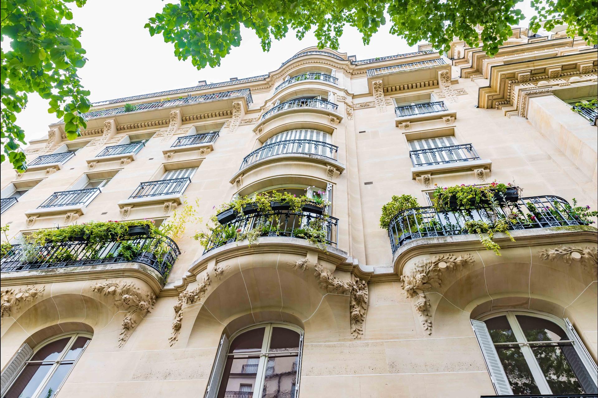 image 0 - Appartement À vendre Paris - 6 pièces