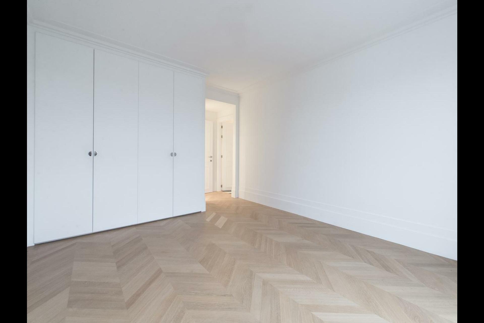 image 9 - Appartement À vendre Paris - 6 pièces