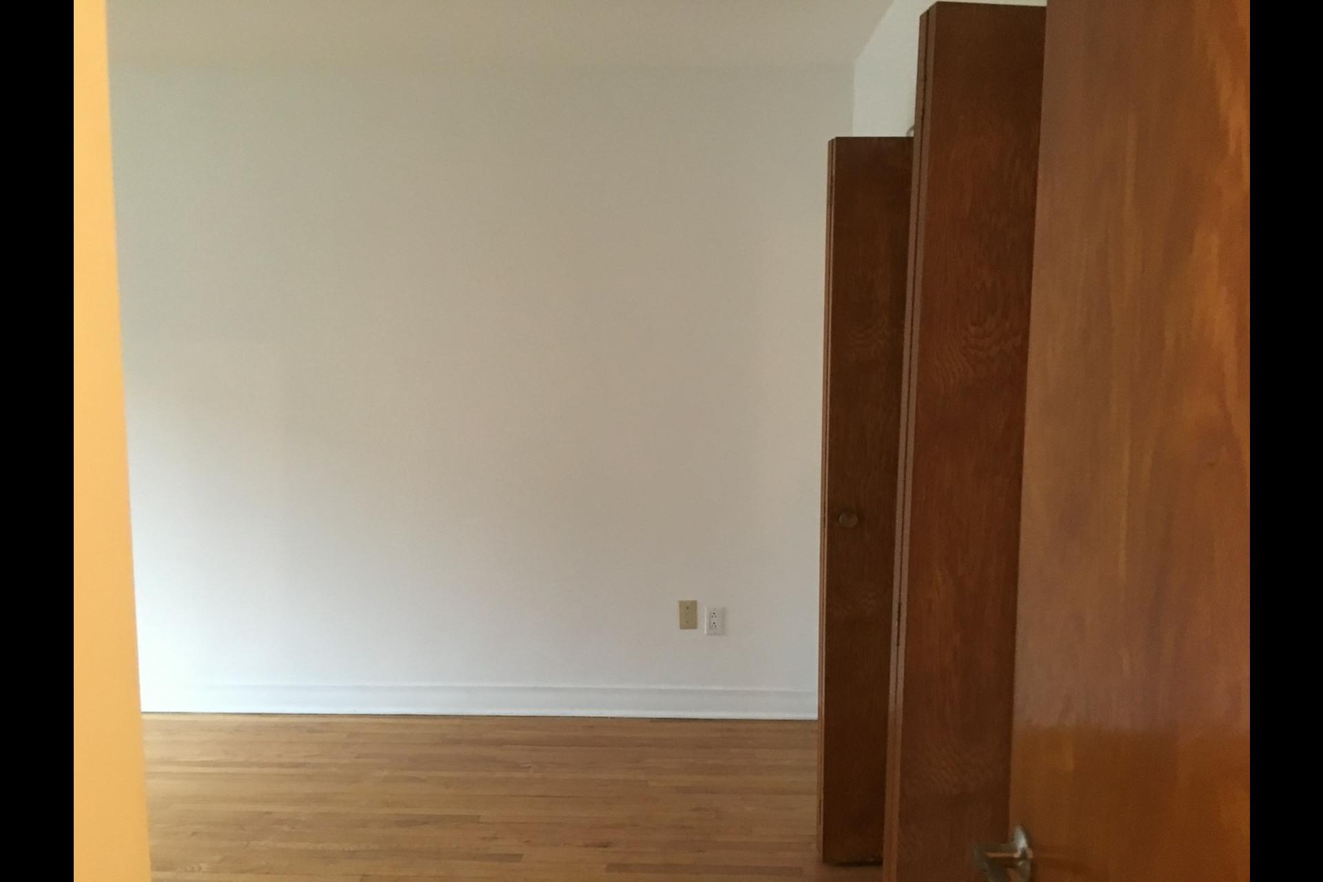 image 6 - Appartement À louer Montréal Rosemont - 5 pièces