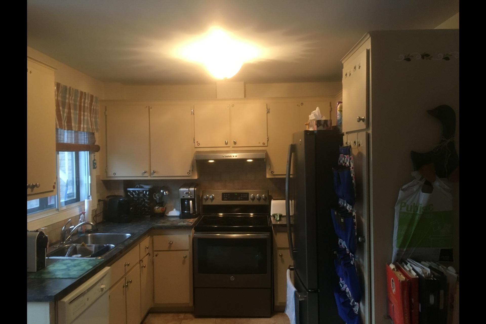 image 2 - Apartment For rent Montréal Cartierville - 6 rooms