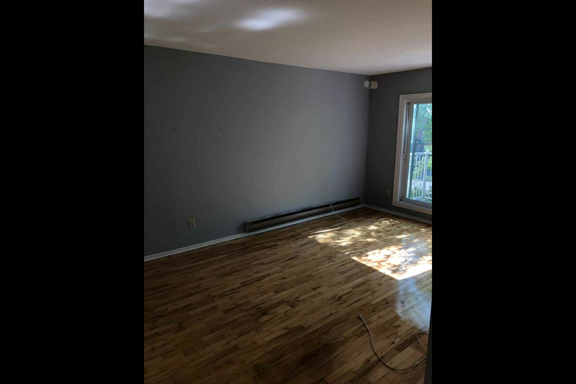 image 3 - Apartment For rent Montréal Montréal-Nord - 5 rooms