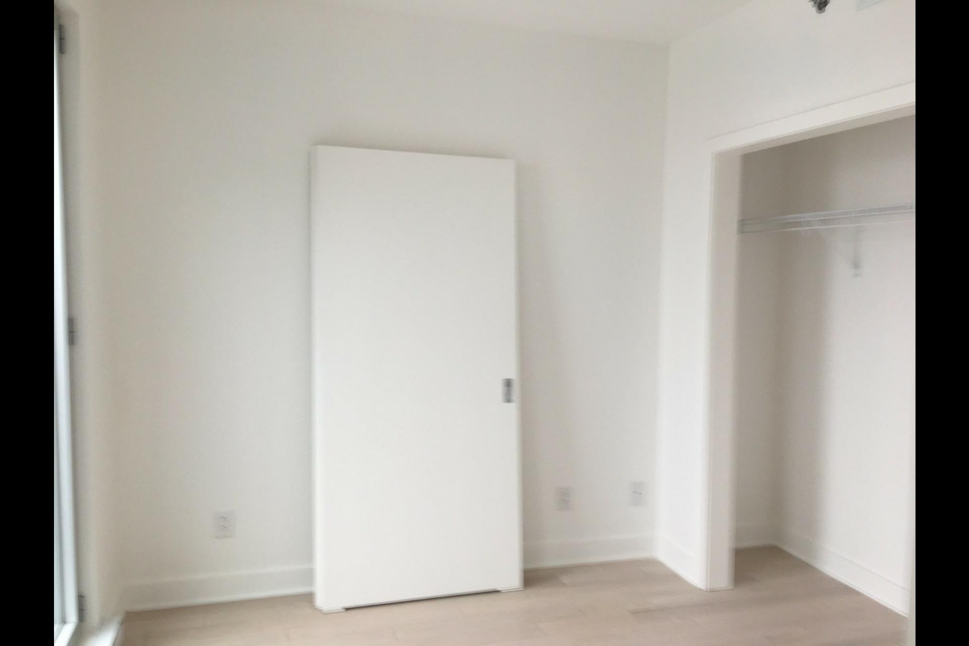 image 1 - Condo For rent Montréal Ville-Marie (Centre-ville) - 3 rooms