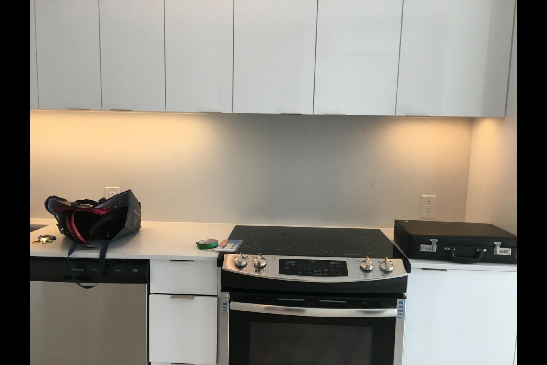image 6 - Condo For rent Montréal Ville-Marie (Centre-ville) - 3 rooms