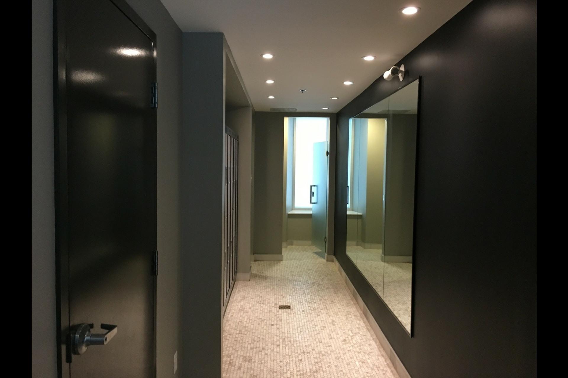 image 17 - Condo For rent Montréal Ville-Marie (Centre-ville) - 3 rooms