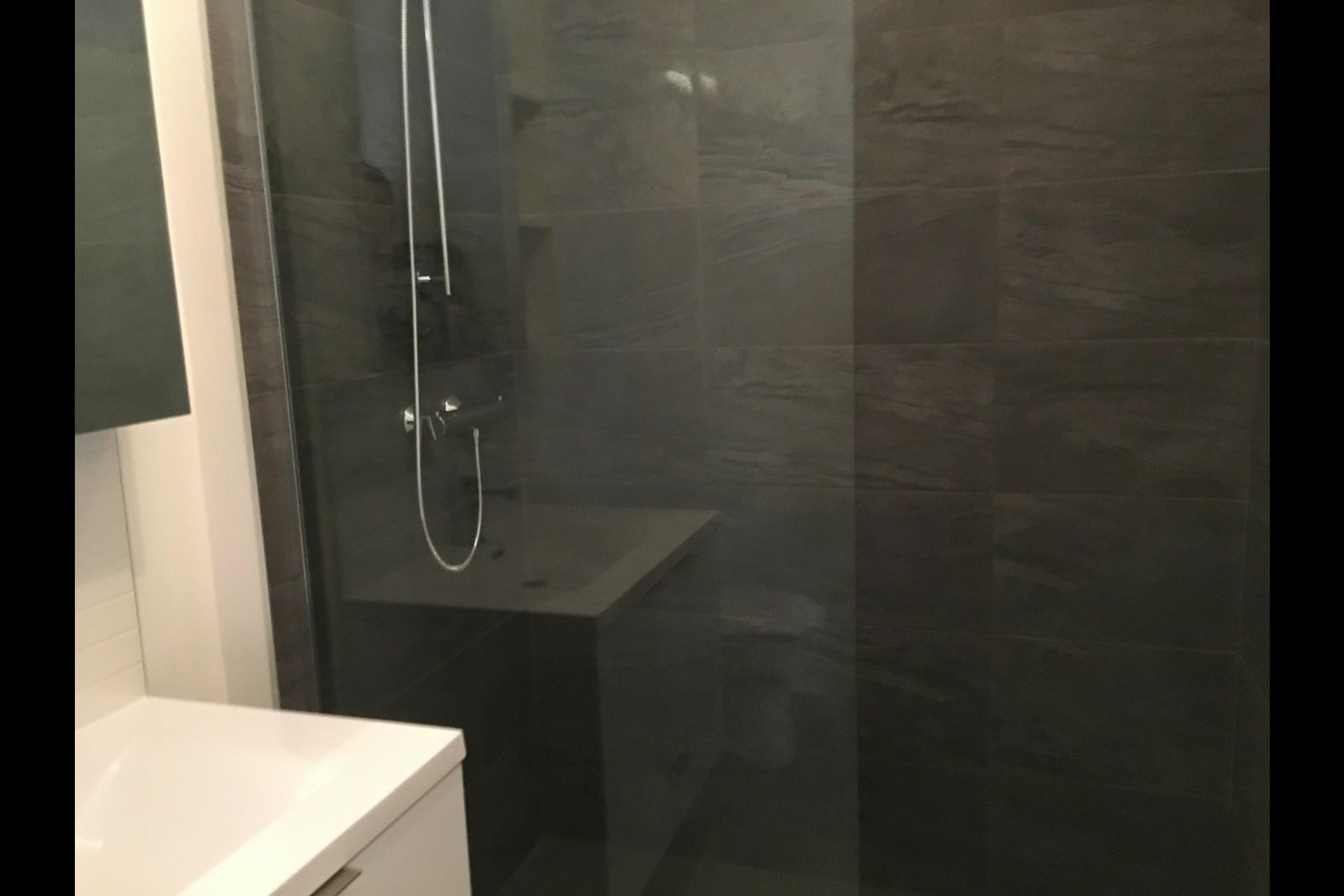 image 4 - Condo For rent Montréal Ville-Marie (Centre-ville) - 3 rooms