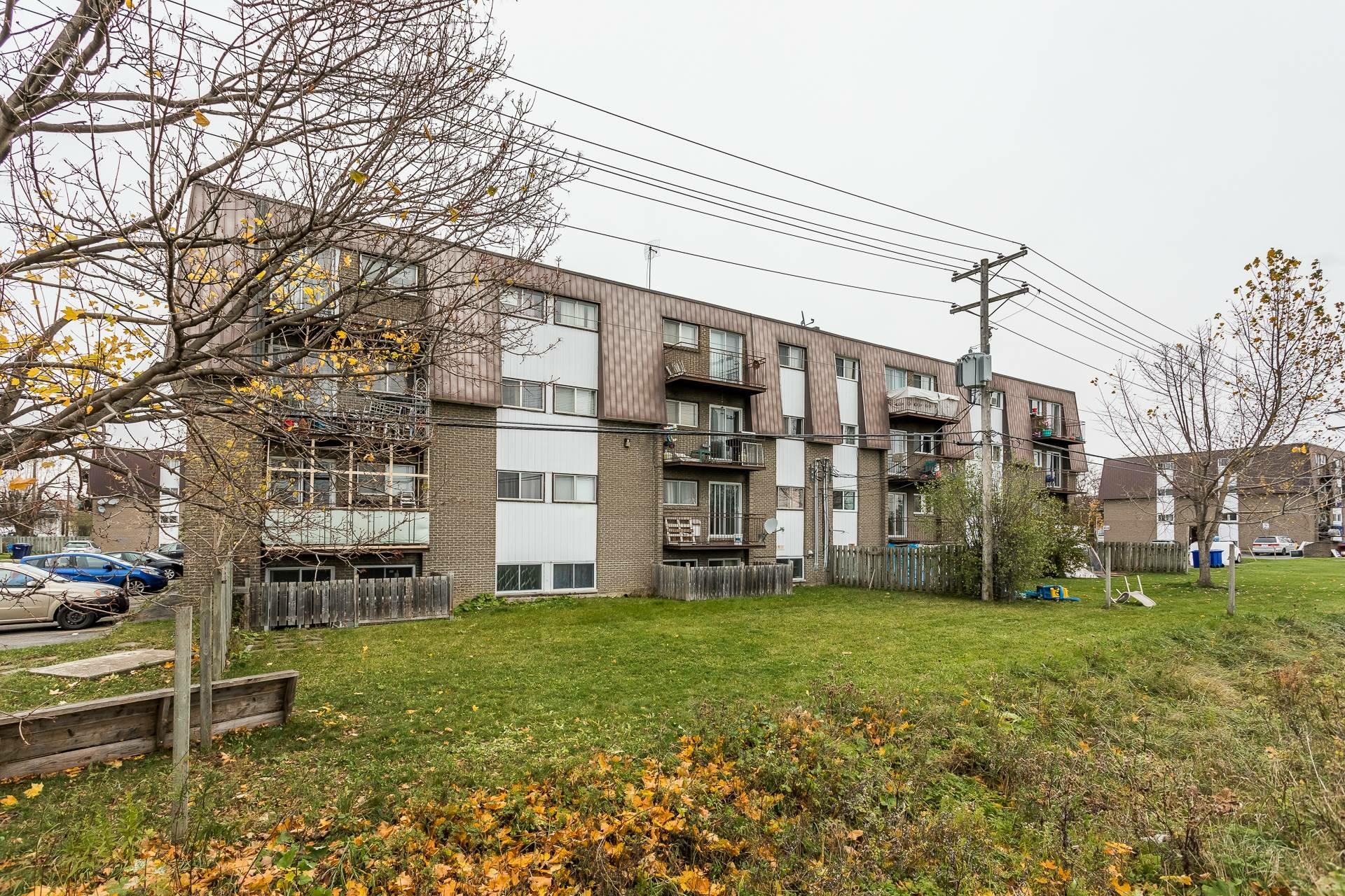 image 3 - Immeuble à revenus À vendre Laval Pont-Viau  - 1 pièce