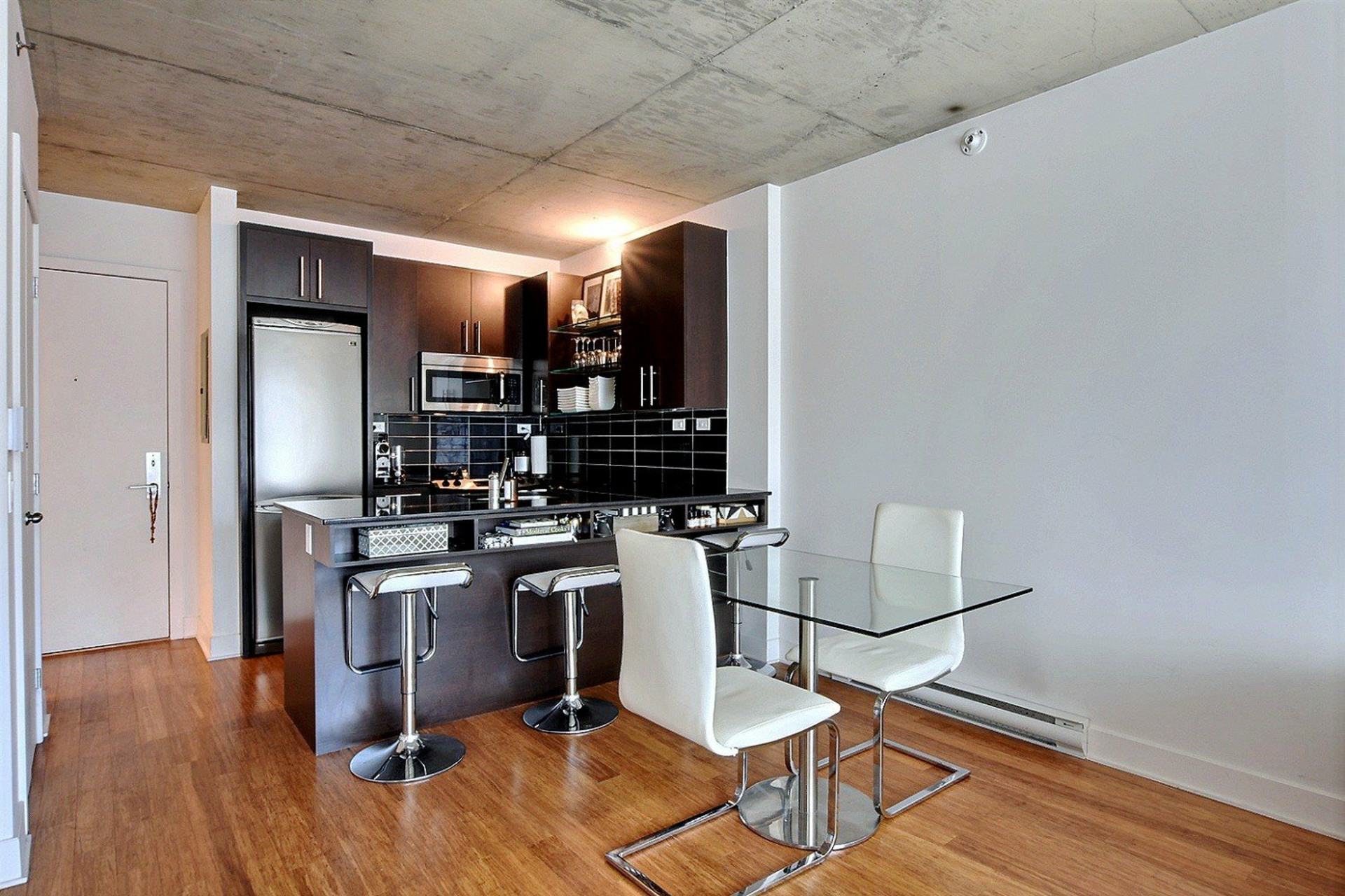 image 6 - Appartement À vendre Montréal Le Sud-Ouest  - 6 pièces