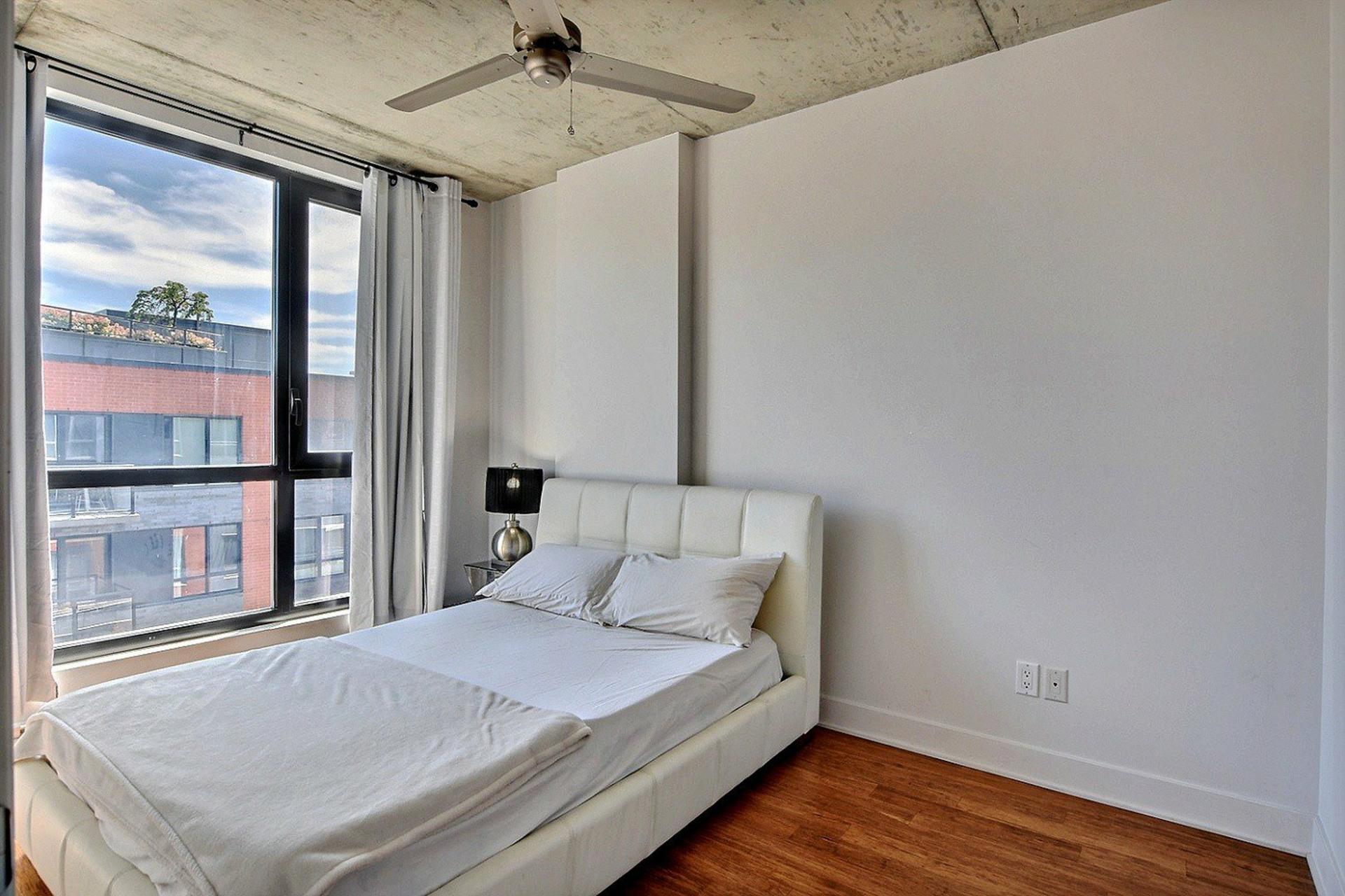 image 11 - Appartement À vendre Montréal Le Sud-Ouest  - 6 pièces