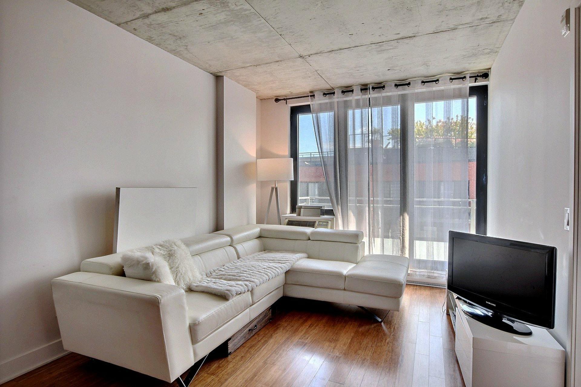 image 2 - Appartement À vendre Montréal Le Sud-Ouest  - 6 pièces
