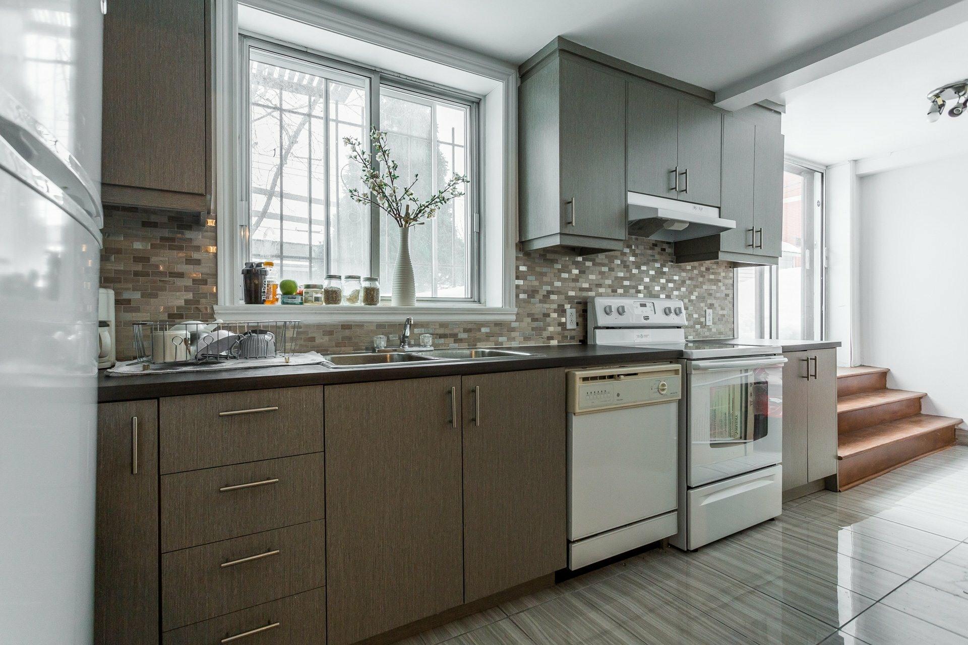 image 15 - Quintuplex À vendre Montréal Saint-Léonard  - 7 pièces