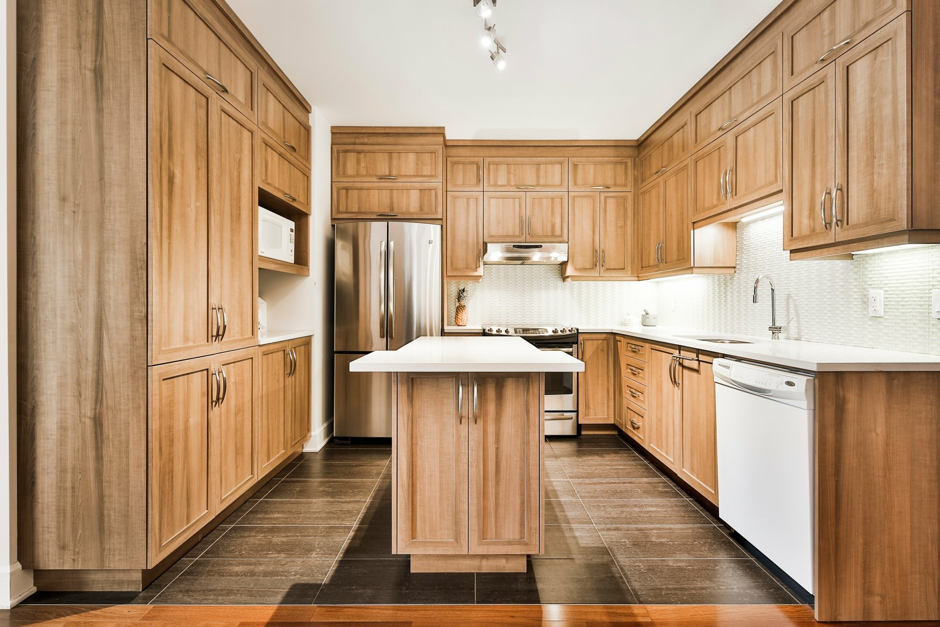 image 1 - Appartement À vendre Montréal Ahuntsic-Cartierville  - 11 pièces