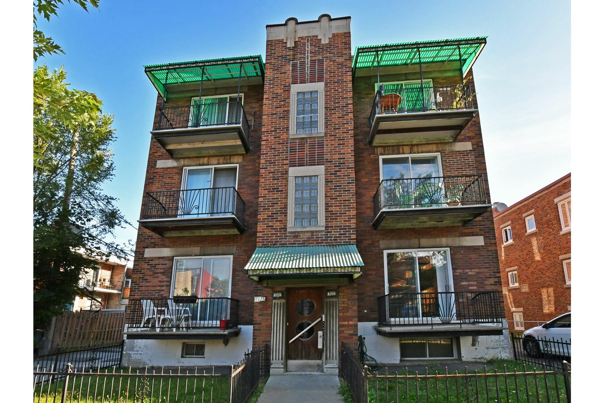 image 0 - Immeuble à revenus À vendre Villeray/Saint-Michel/Parc-Extension Montréal  - 4 pièces