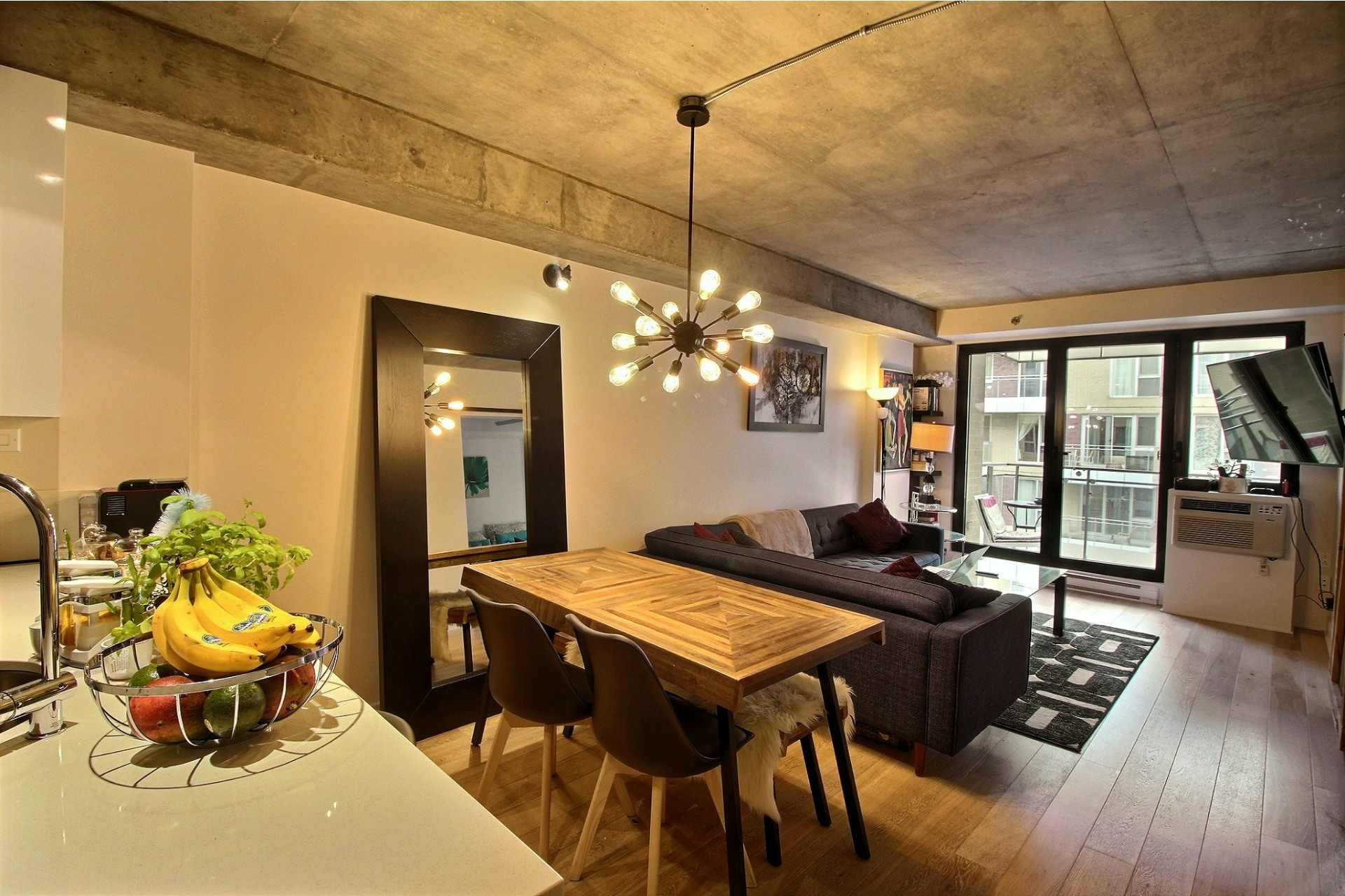 image 0 - Apartment For rent Montréal Le Sud-Ouest  - 3 rooms