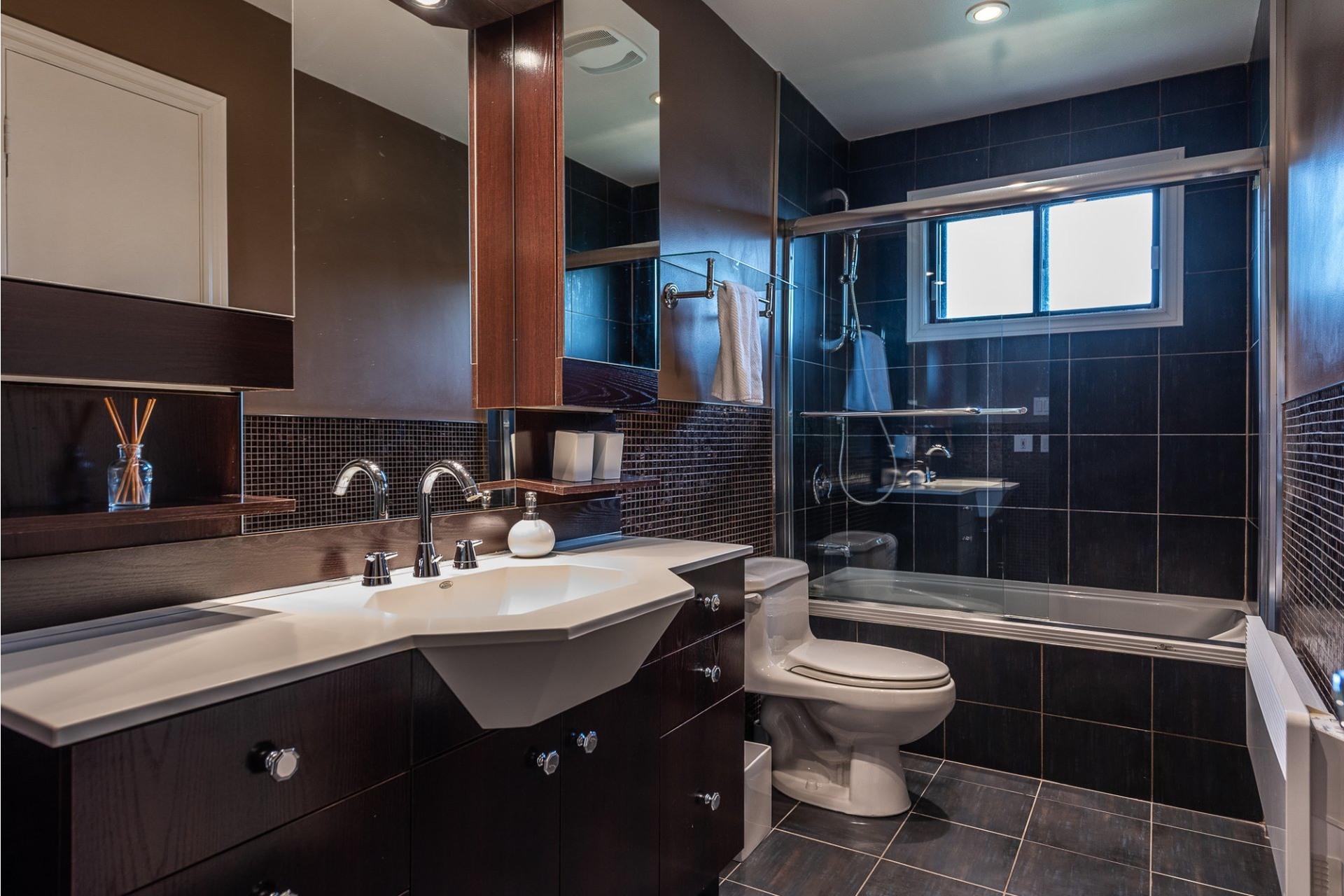 image 24 - House For sale Montréal Saint-Laurent  - 15 rooms