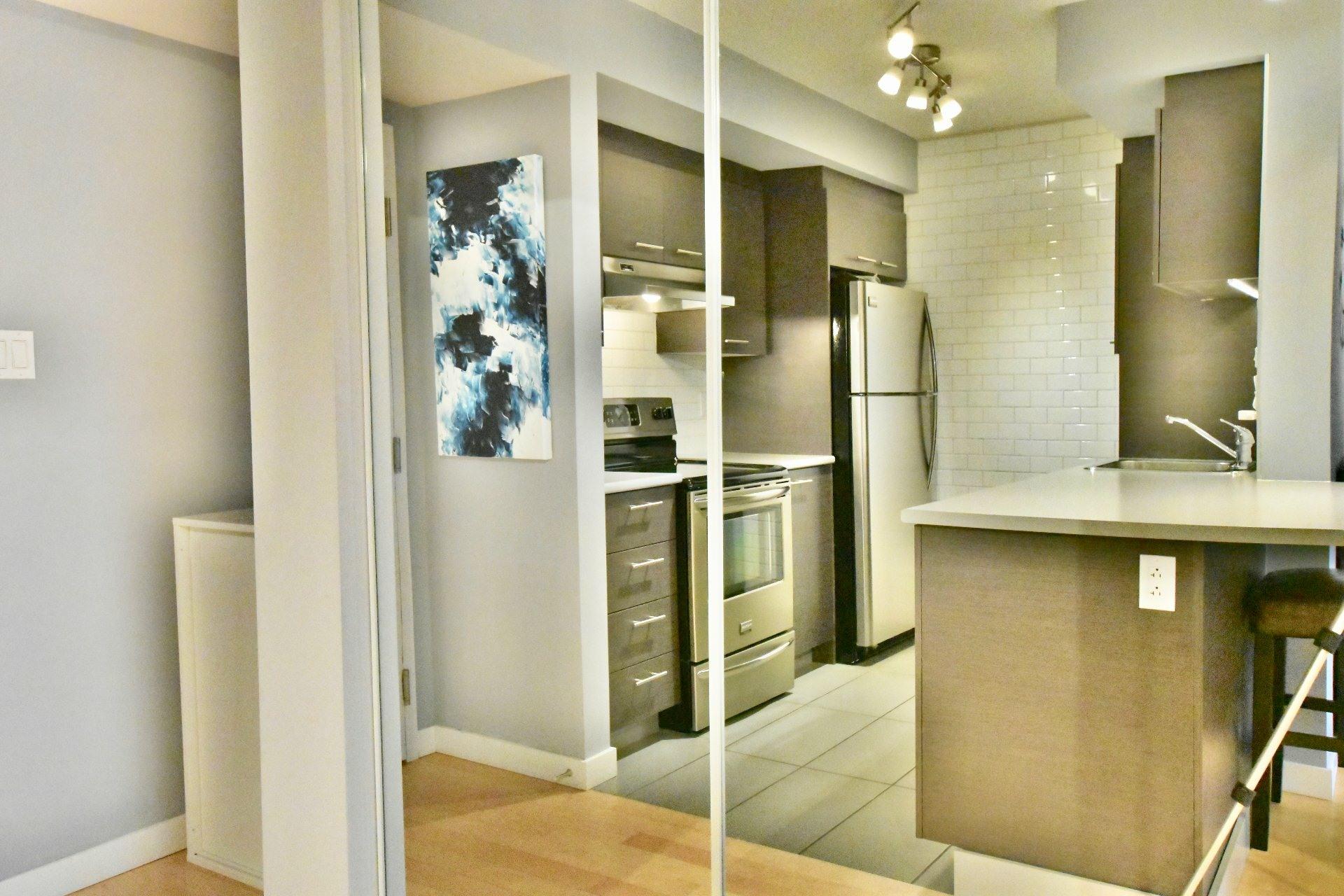 image 3 - Apartment For rent Lachine Montréal  - 6 rooms