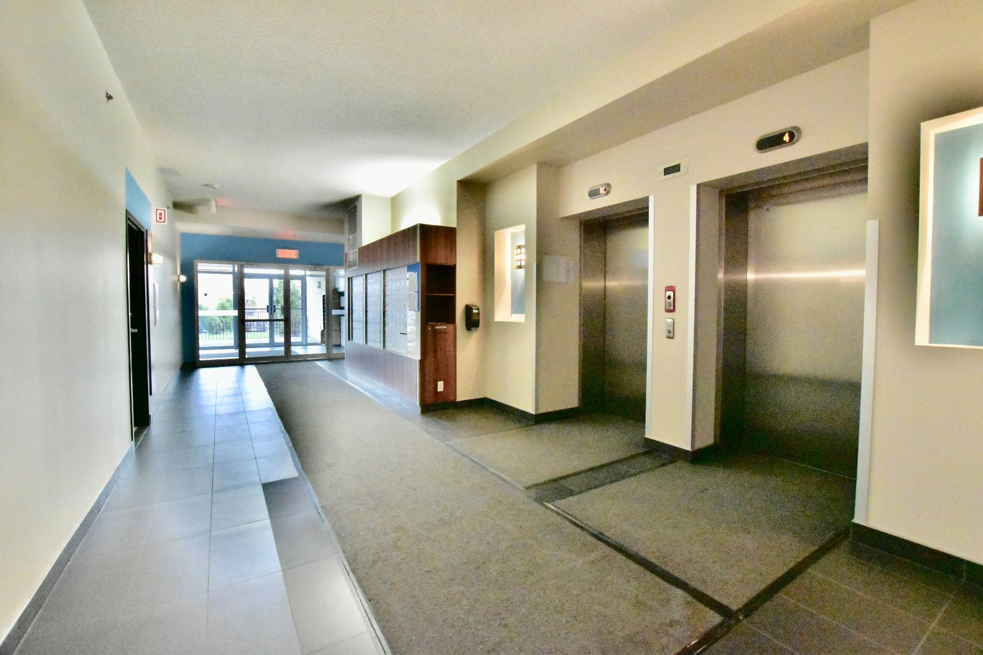 image 2 - Apartment For rent Lachine Montréal  - 6 rooms