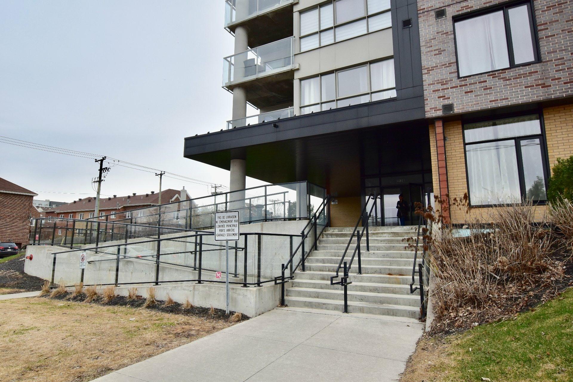 image 1 - Apartment For rent Lachine Montréal  - 6 rooms