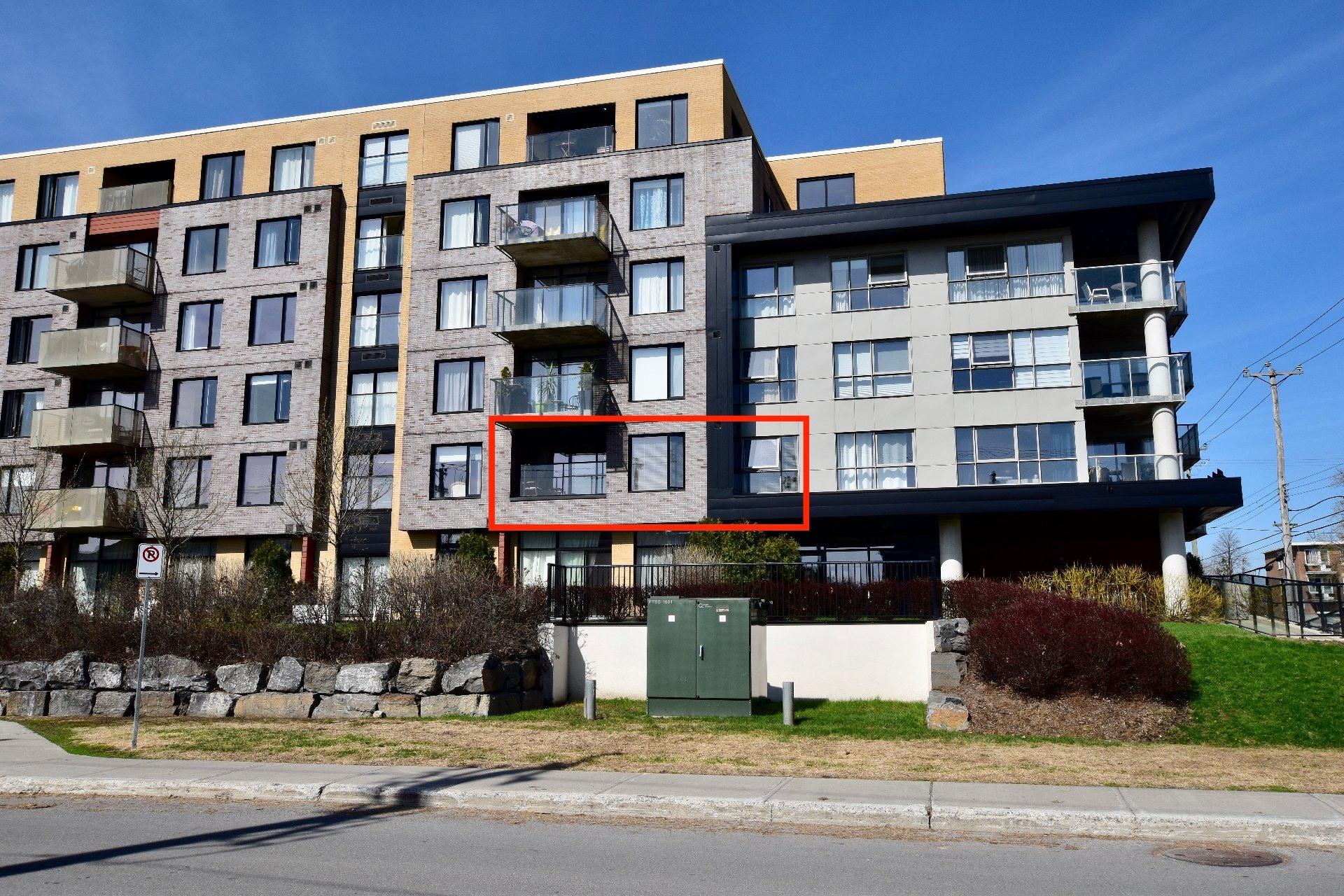 image 0 - Apartment For rent Lachine Montréal  - 6 rooms
