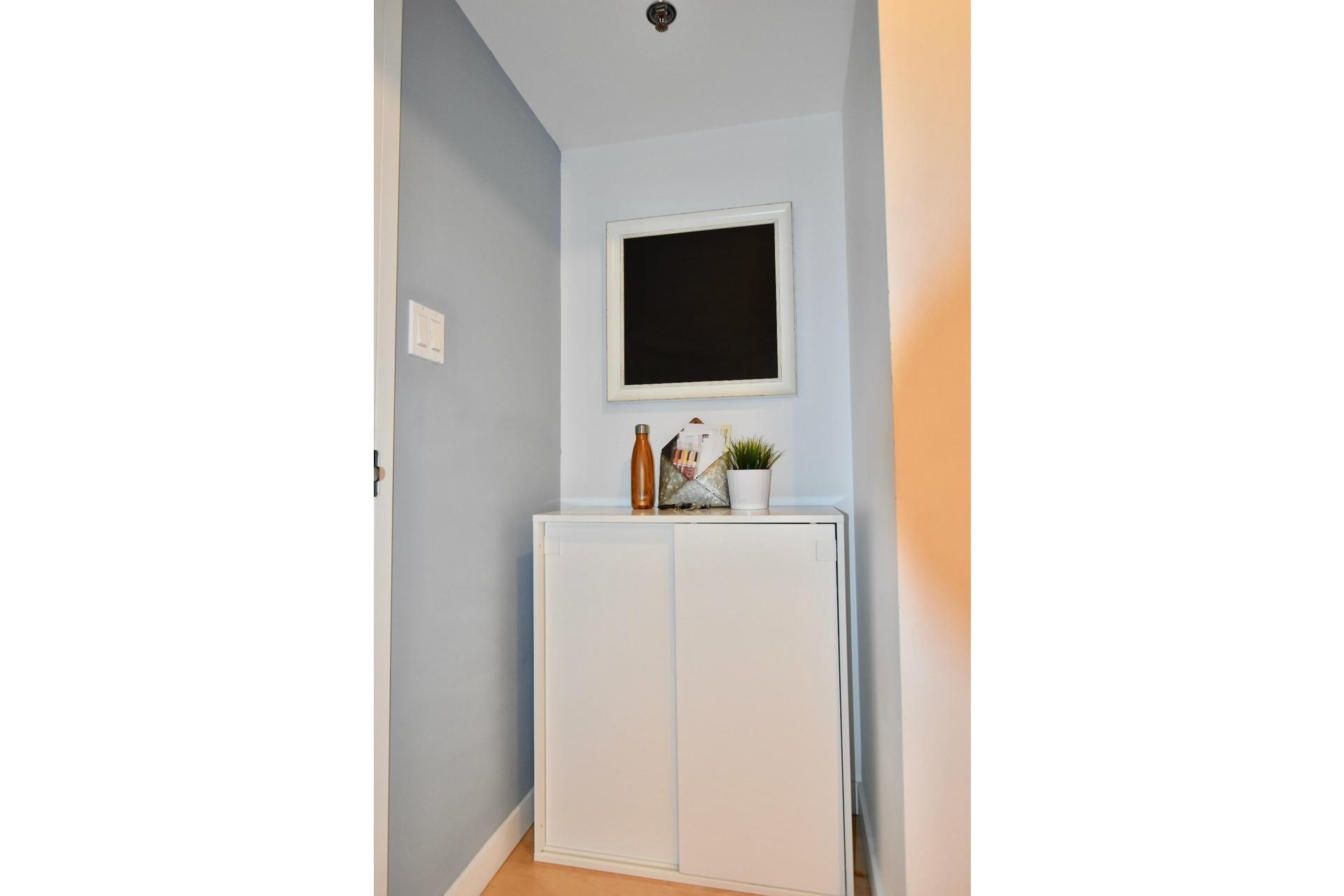 image 4 - Apartment For rent Lachine Montréal  - 6 rooms