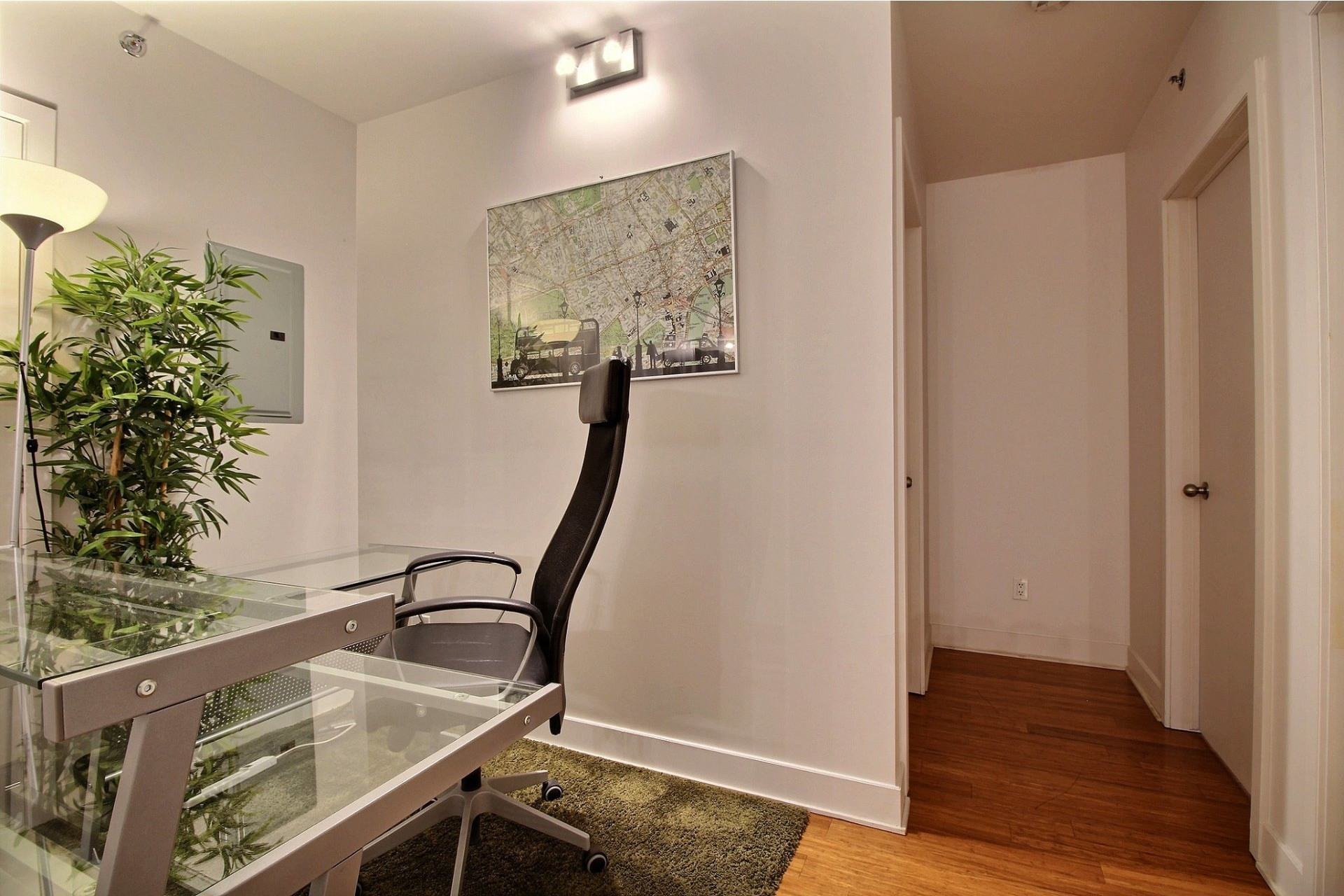 image 8 - Apartment For rent Le Sud-Ouest Montréal  - 6 rooms