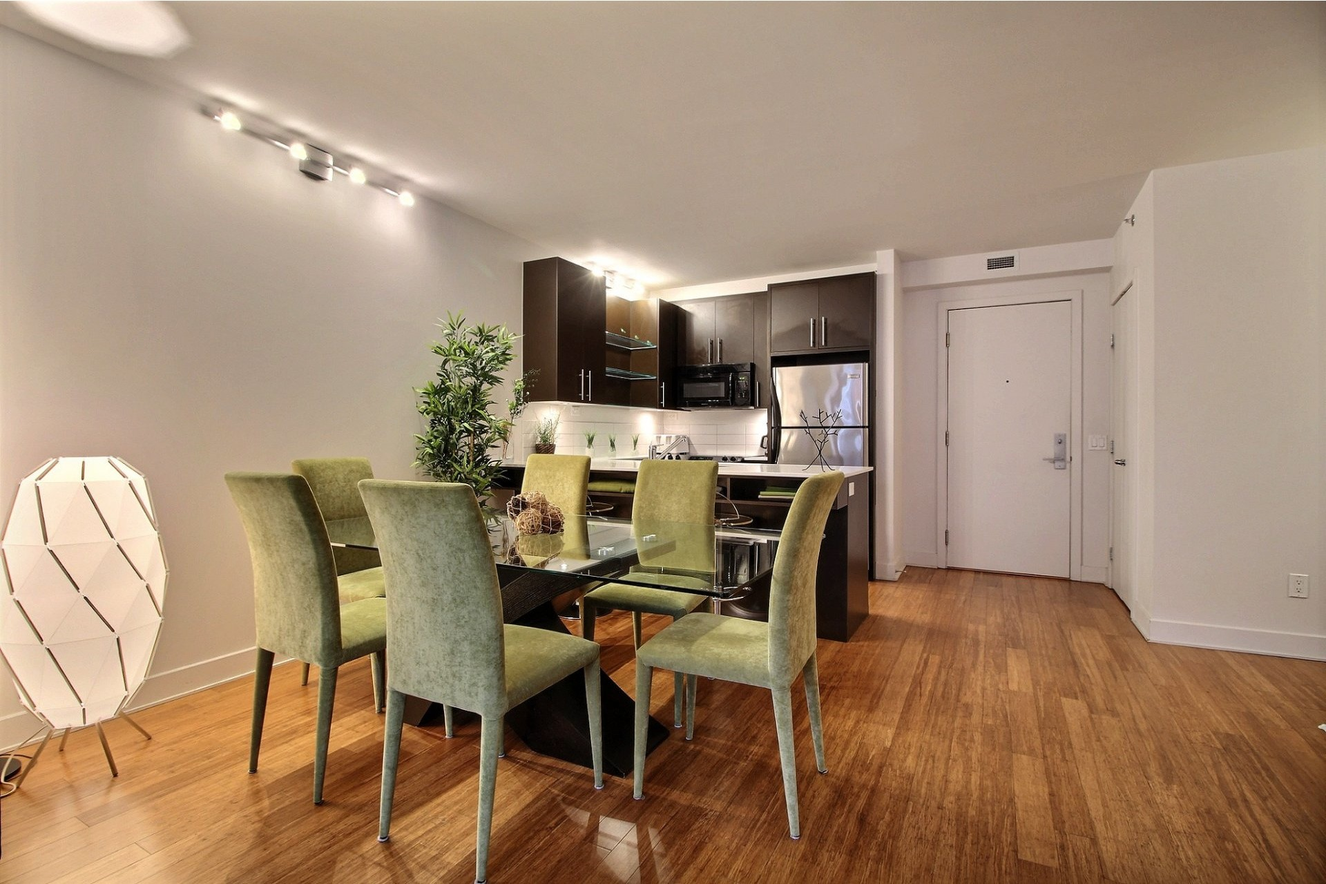 image 3 - Appartement À louer Le Sud-Ouest Montréal  - 6 pièces