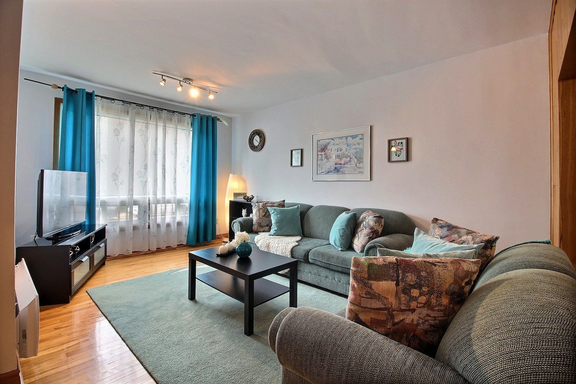 image 2 - Triplex For sale Montréal Mercier/Hochelaga-Maisonneuve  - 7 rooms