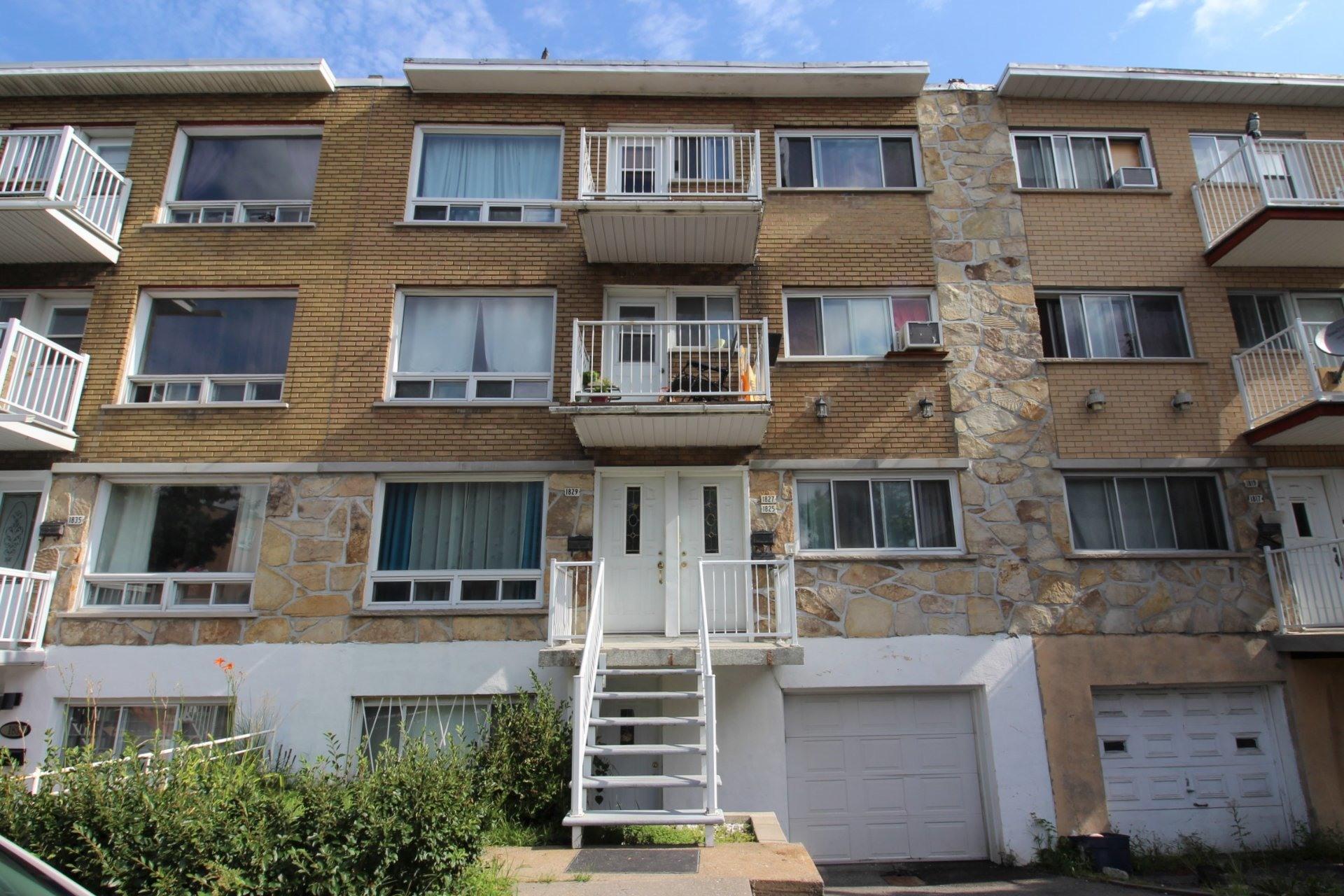 image 0 - Triplex For sale Montréal Mercier/Hochelaga-Maisonneuve  - 7 rooms