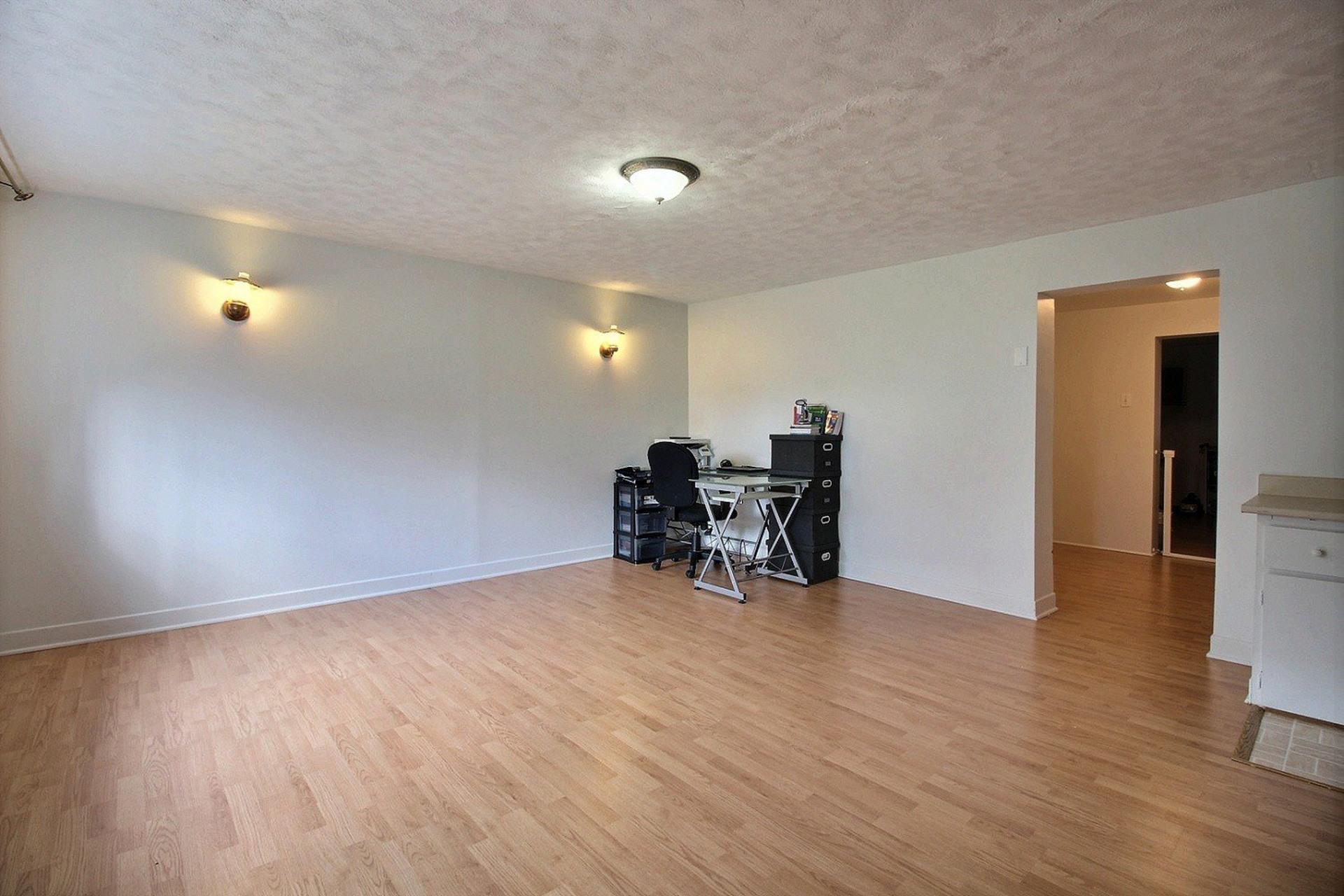 image 12 - Triplex For sale Montréal Mercier/Hochelaga-Maisonneuve  - 7 rooms