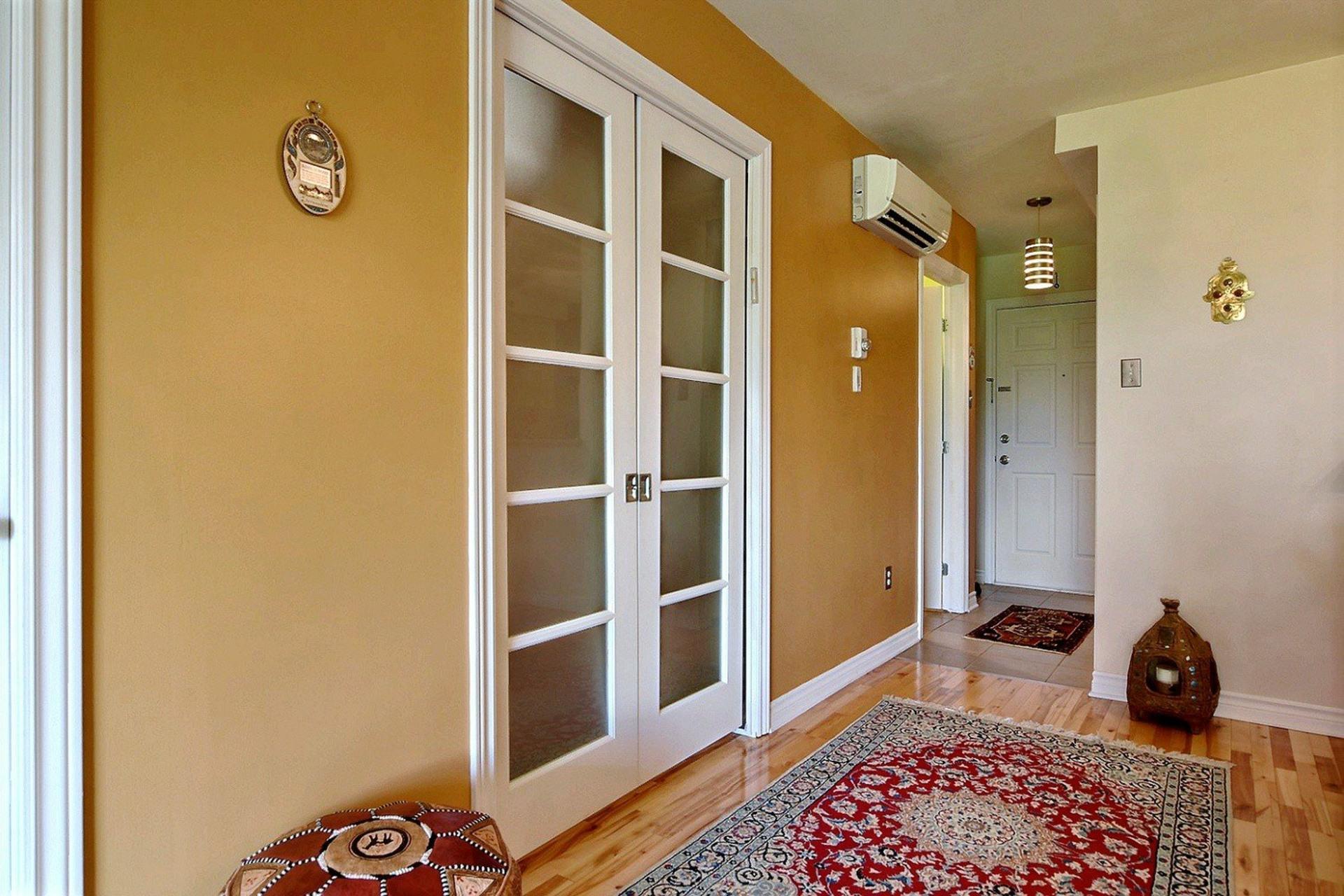image 4 - Appartement À vendre Montréal Côte-des-Neiges/Notre-Dame-de-Grâce  - 4 pièces