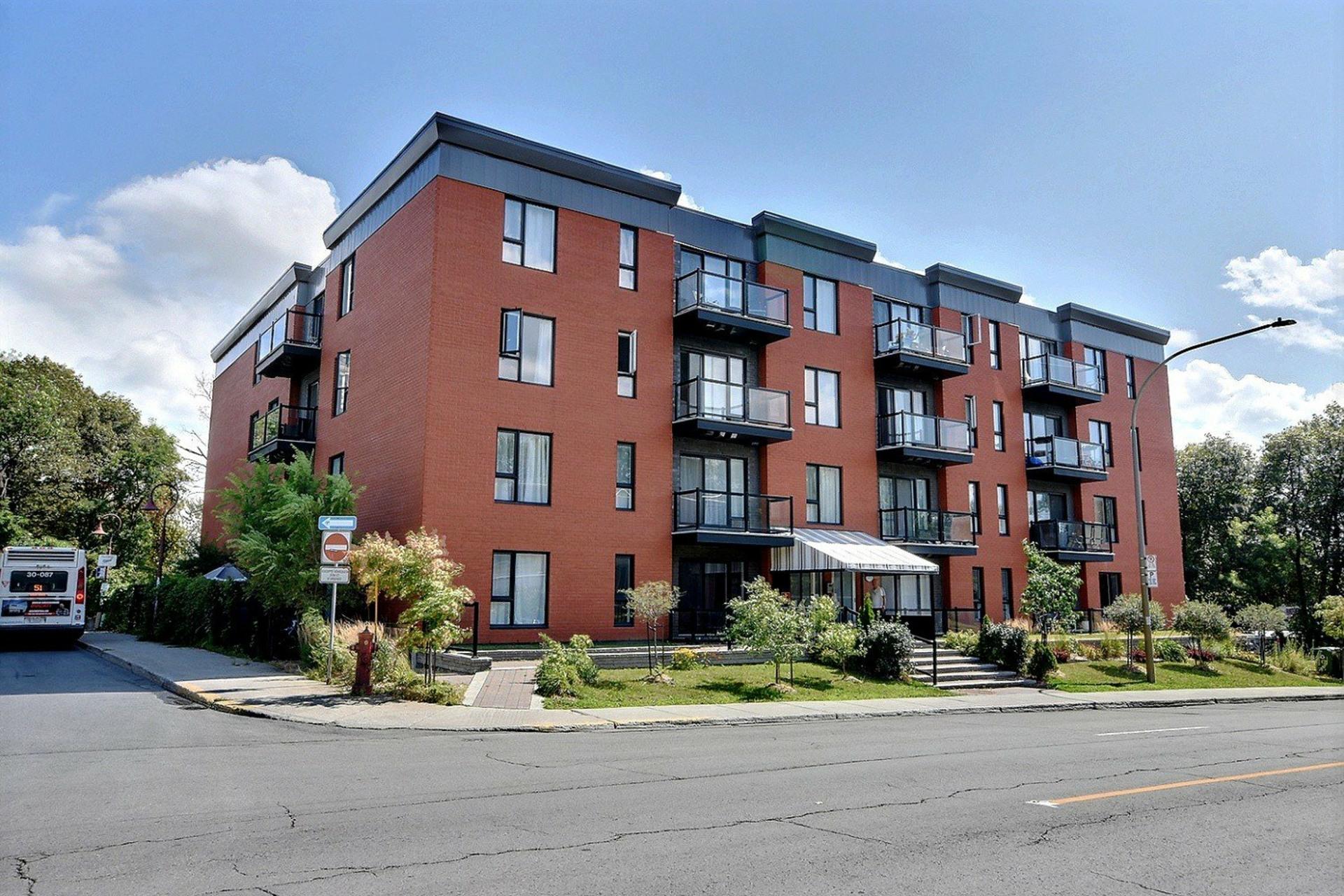 image 0 - Appartement À vendre Montréal Côte-des-Neiges/Notre-Dame-de-Grâce  - 4 pièces