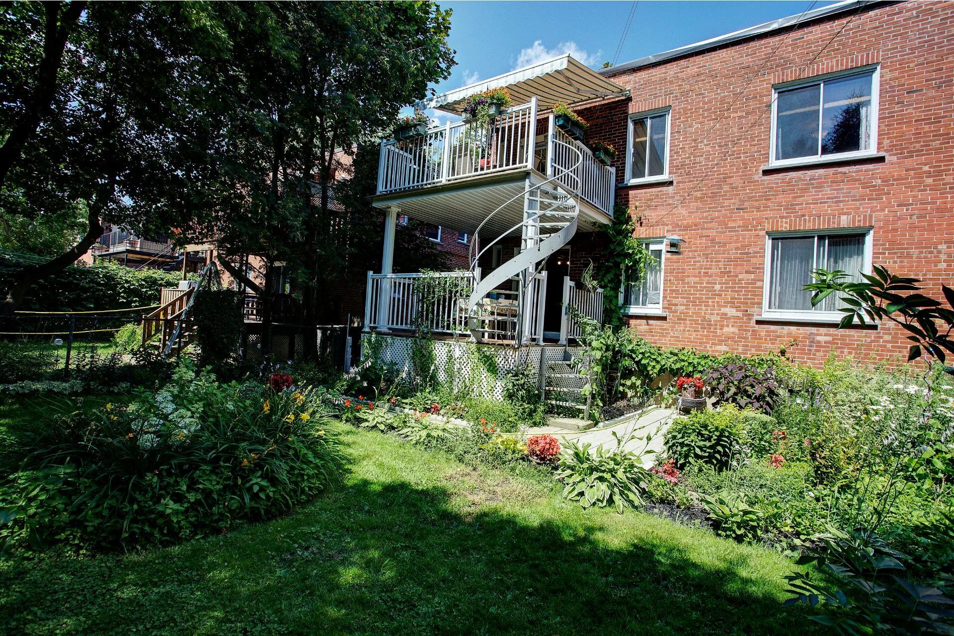 image 12 - Duplex En venta Montréal Côte-des-Neiges/Notre-Dame-de-Grâce  - 5 habitaciones