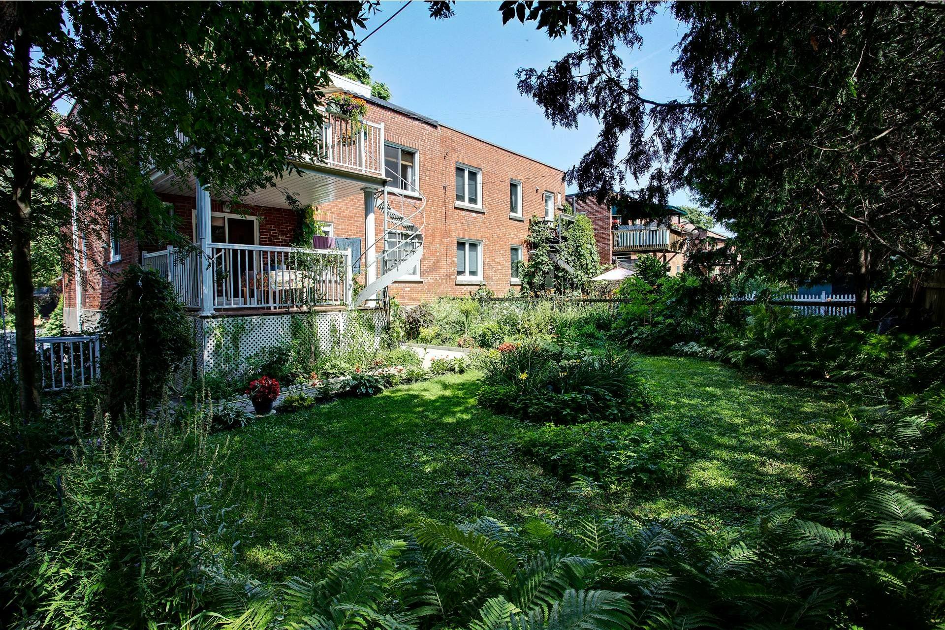 image 13 - Duplex En venta Montréal Côte-des-Neiges/Notre-Dame-de-Grâce  - 5 habitaciones