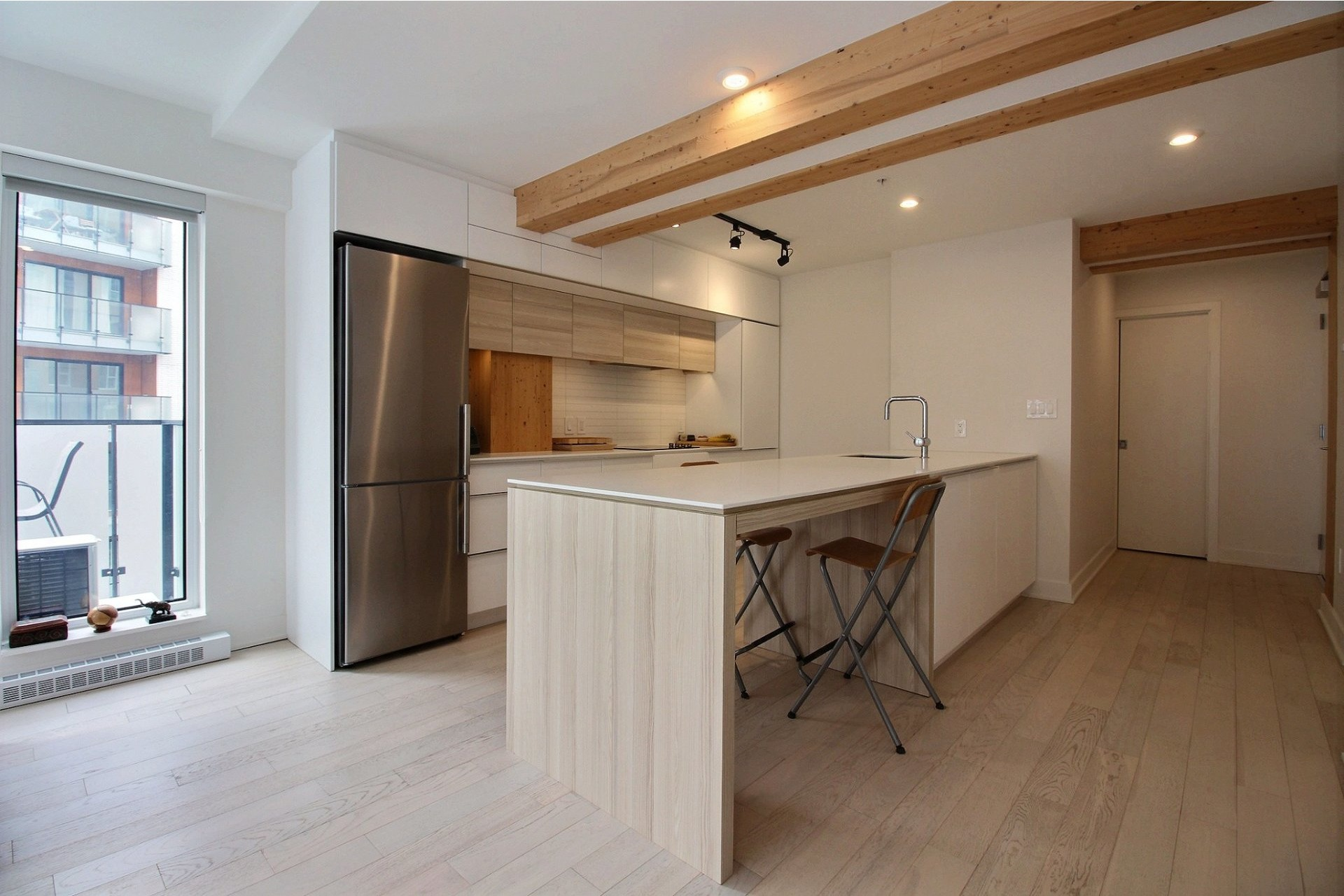 image 3 - Appartement À louer Montréal Le Sud-Ouest  - 4 pièces