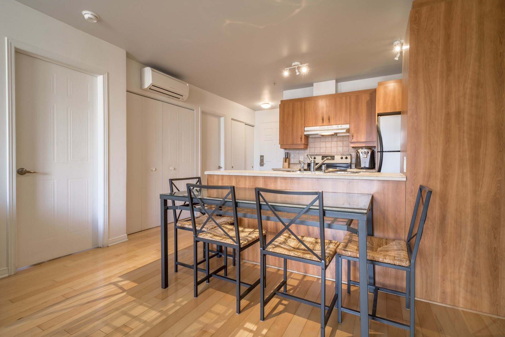 image 6 - Appartement À vendre Montréal Ville-Marie  - 4 pièces