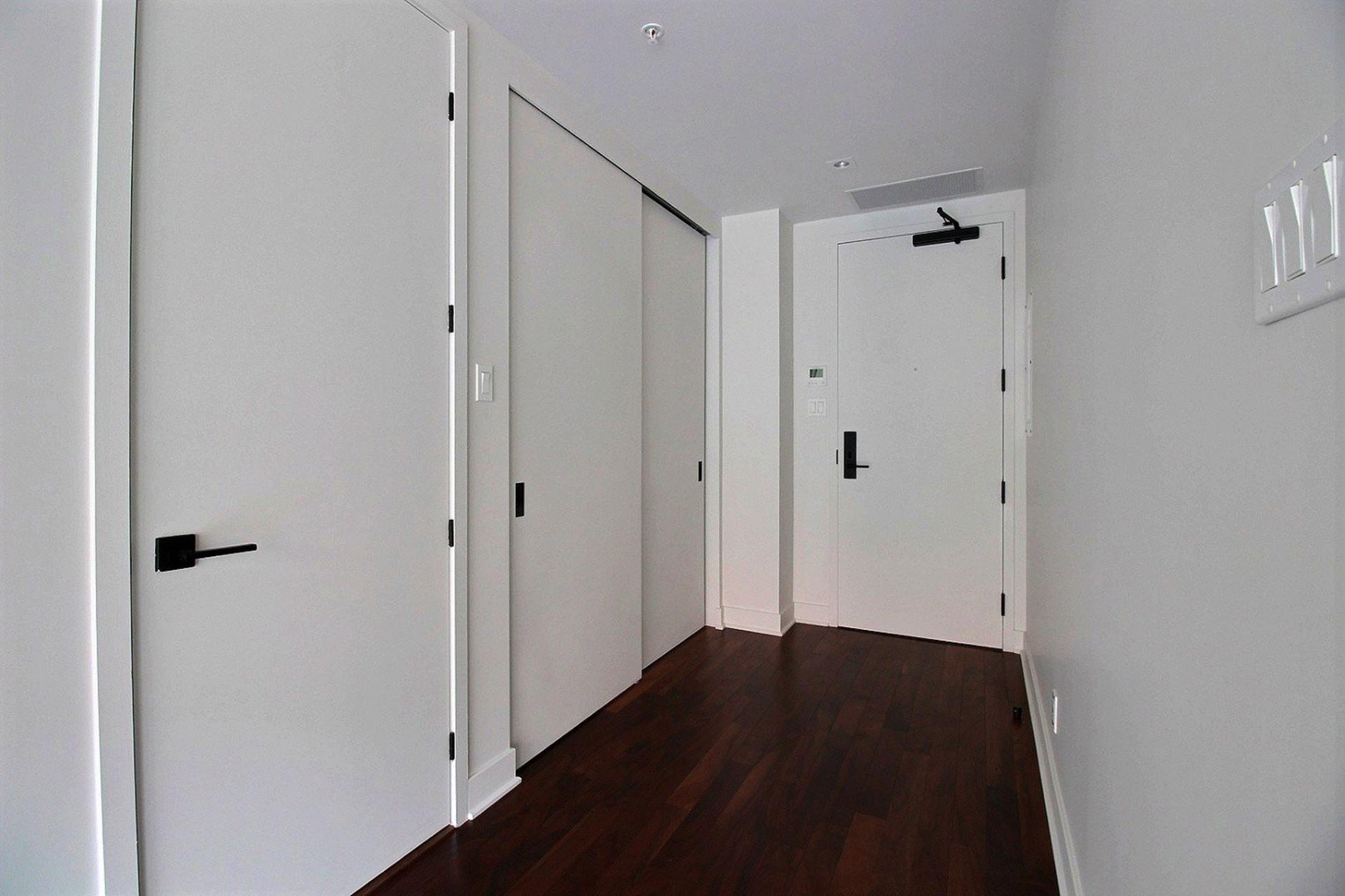image 1 - Apartment For rent Montréal Le Sud-Ouest  - 5 rooms