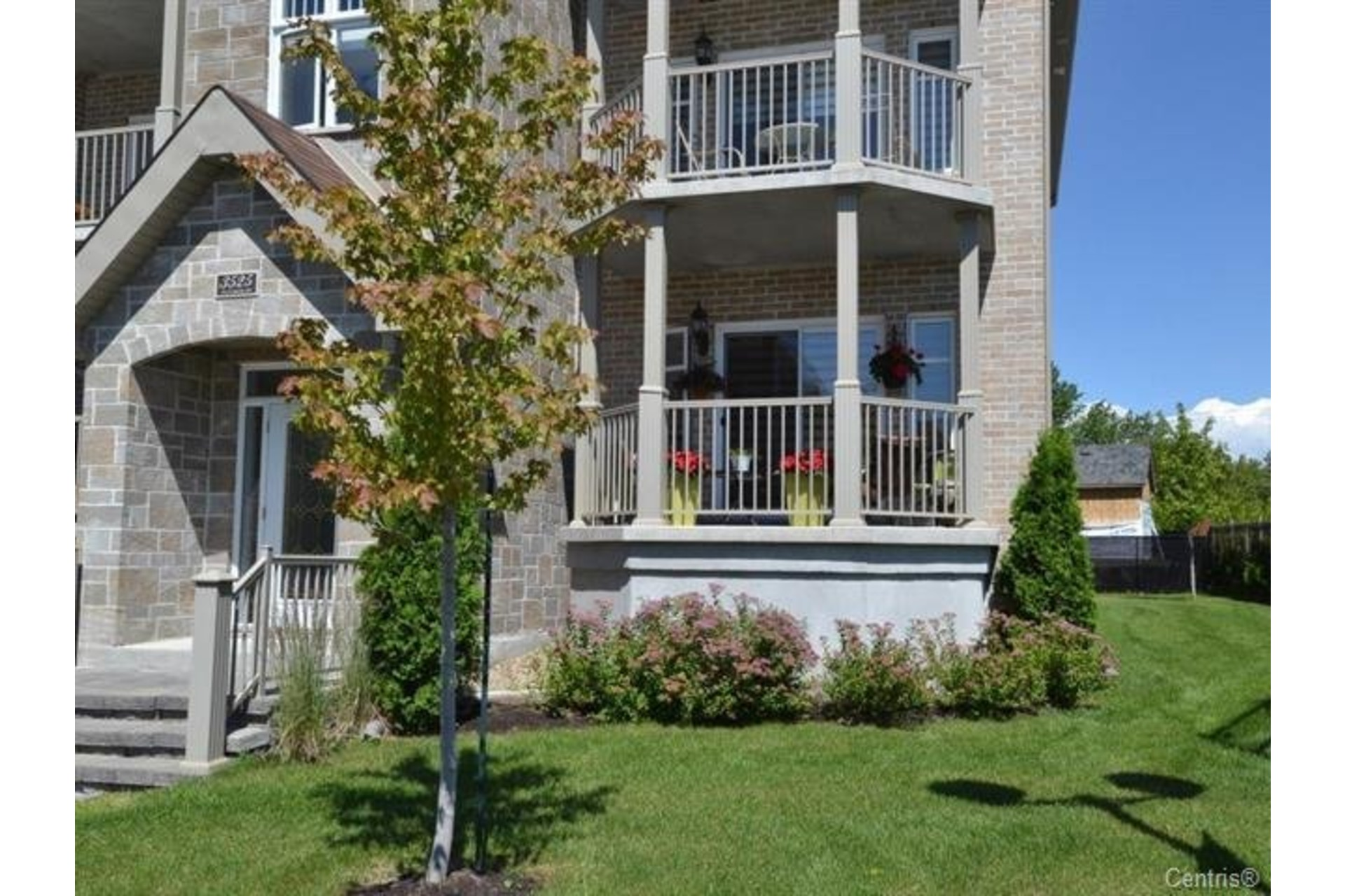 image 2 - Apartment For sale Laval Duvernay  - 7 rooms