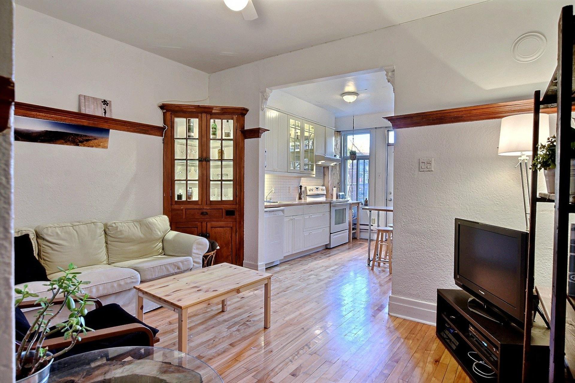image 12 - Quintuplex For sale Montréal Villeray/Saint-Michel/Parc-Extension  - 8 rooms
