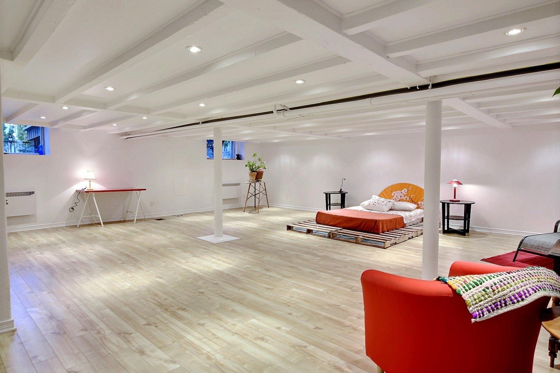image 9 - Quintuplex For sale Montréal Villeray/Saint-Michel/Parc-Extension  - 8 rooms