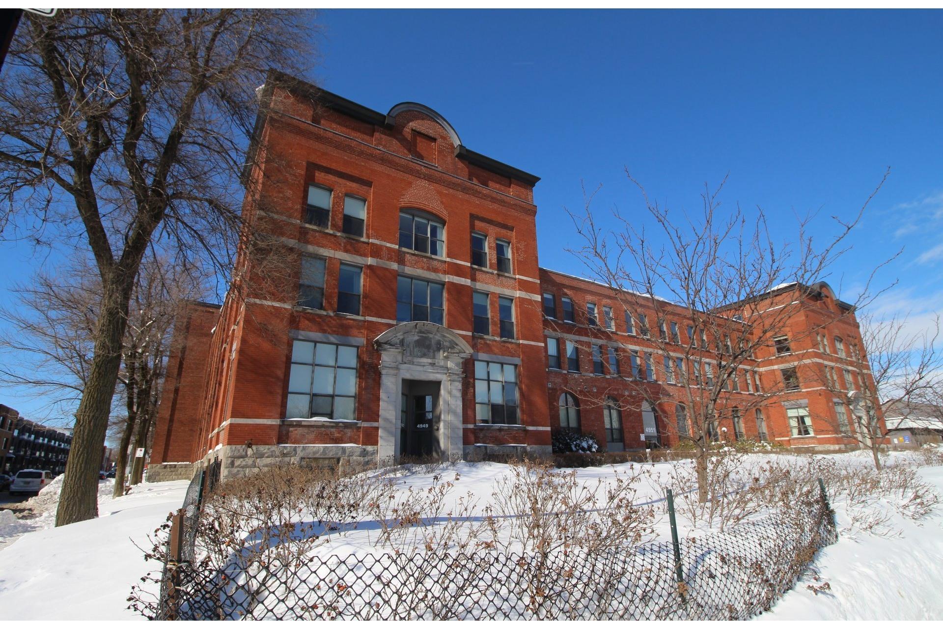 image 15 - Apartment For rent Montréal Mercier/Hochelaga-Maisonneuve  - 5 rooms