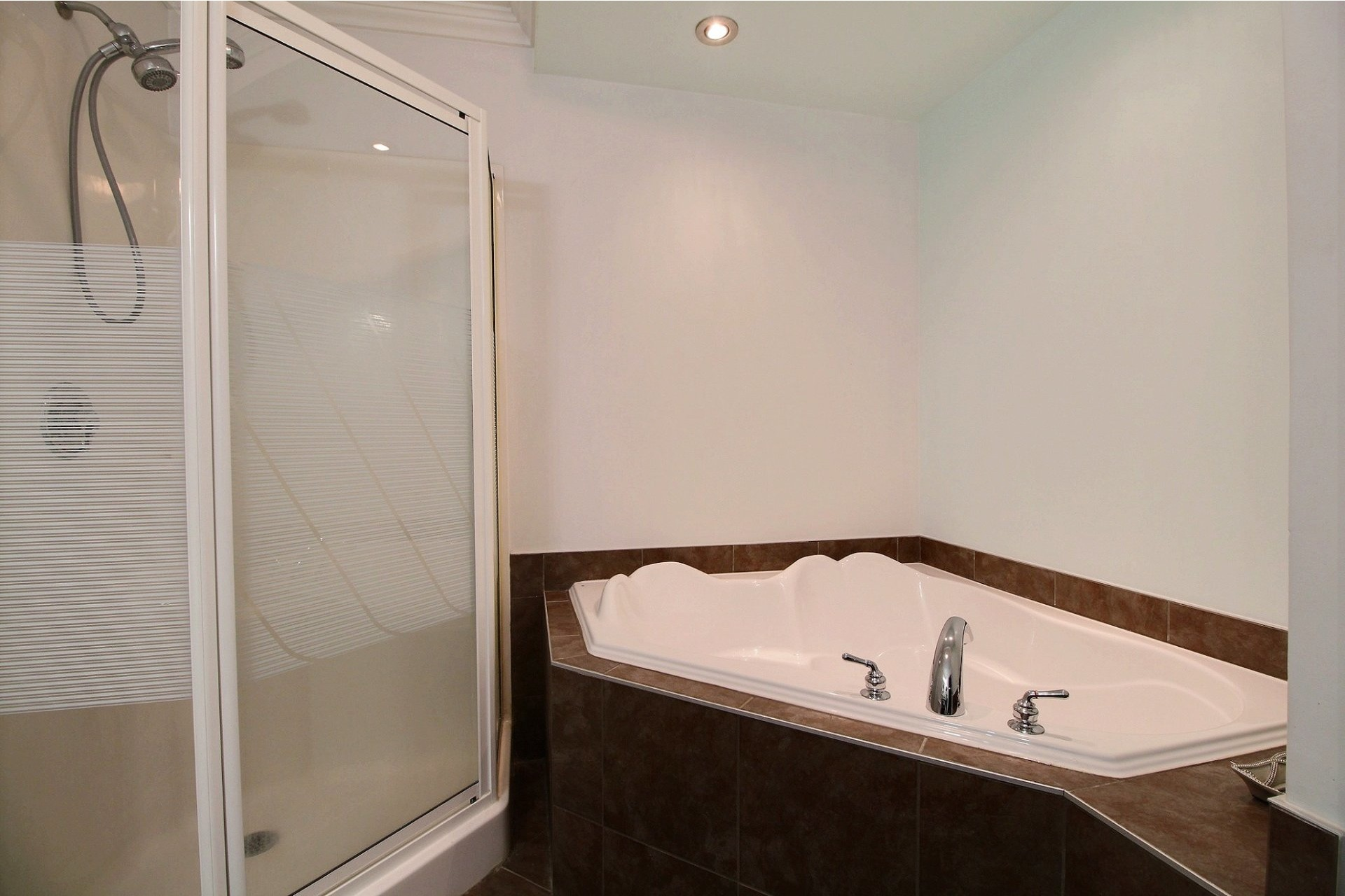 image 17 - Apartment For sale Longueuil Saint-Hubert  - 6 rooms