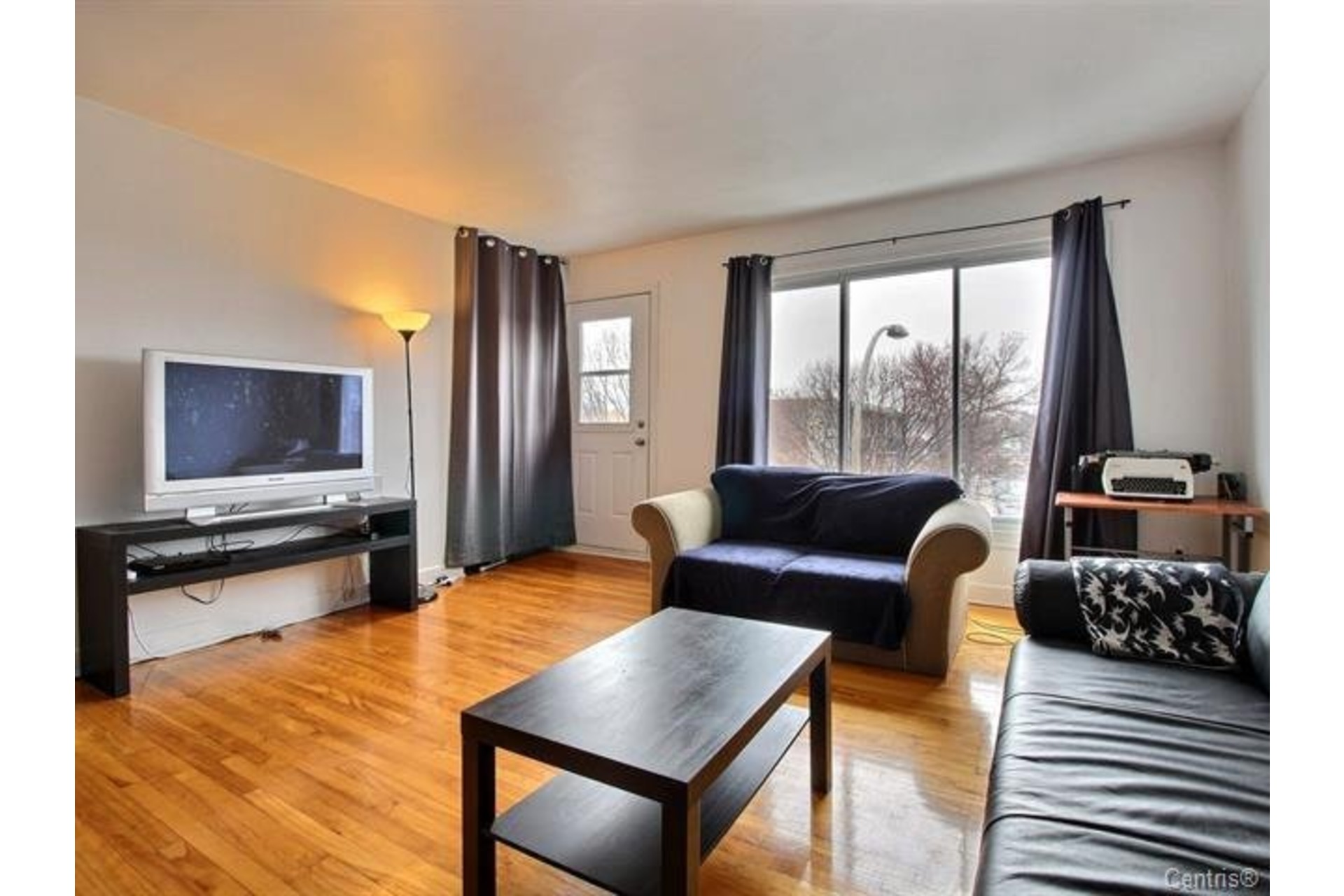 image 4 - Apartment For rent Montréal Mercier/Hochelaga-Maisonneuve  - 7 rooms