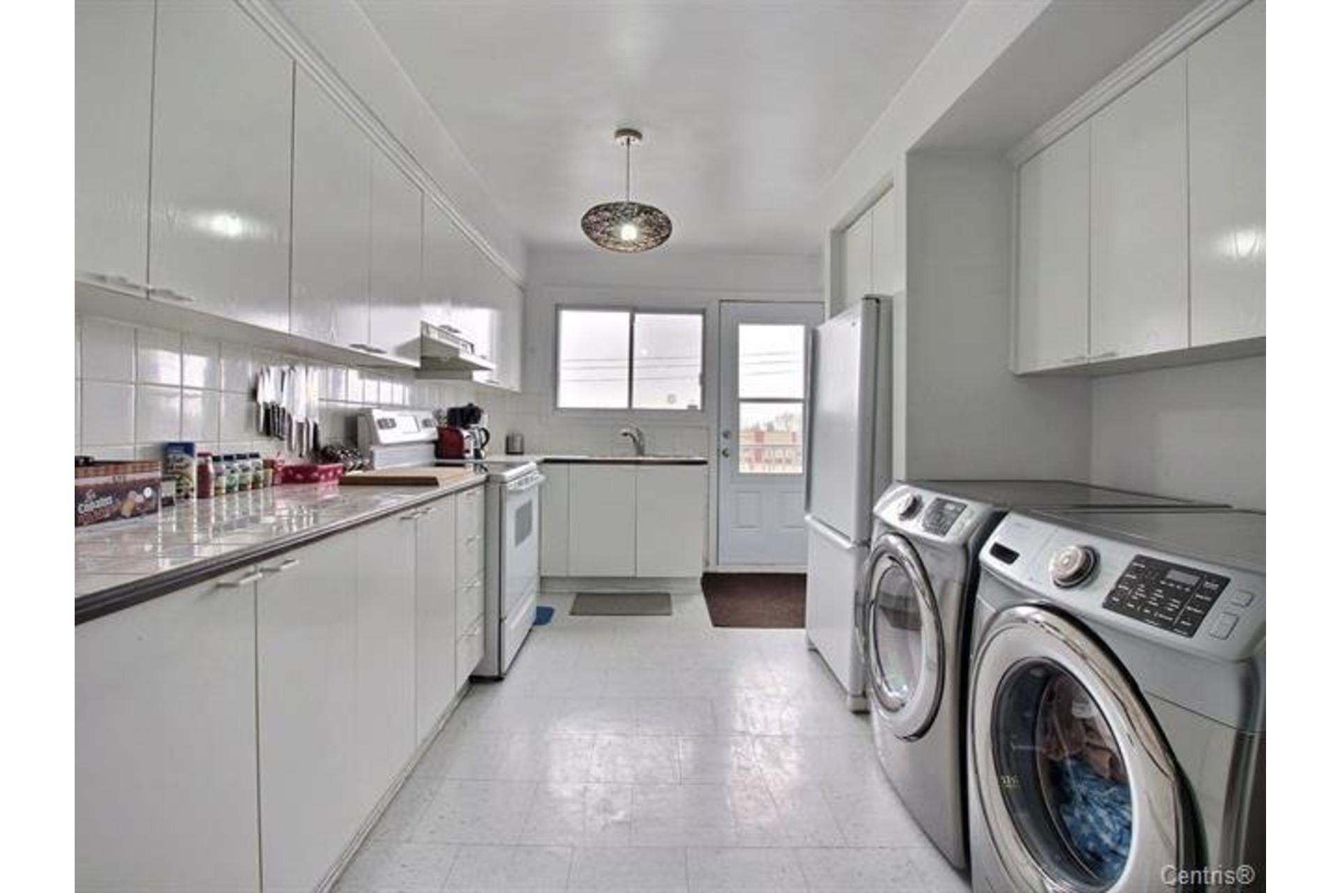 image 6 - Apartment For rent Montréal Mercier/Hochelaga-Maisonneuve  - 7 rooms