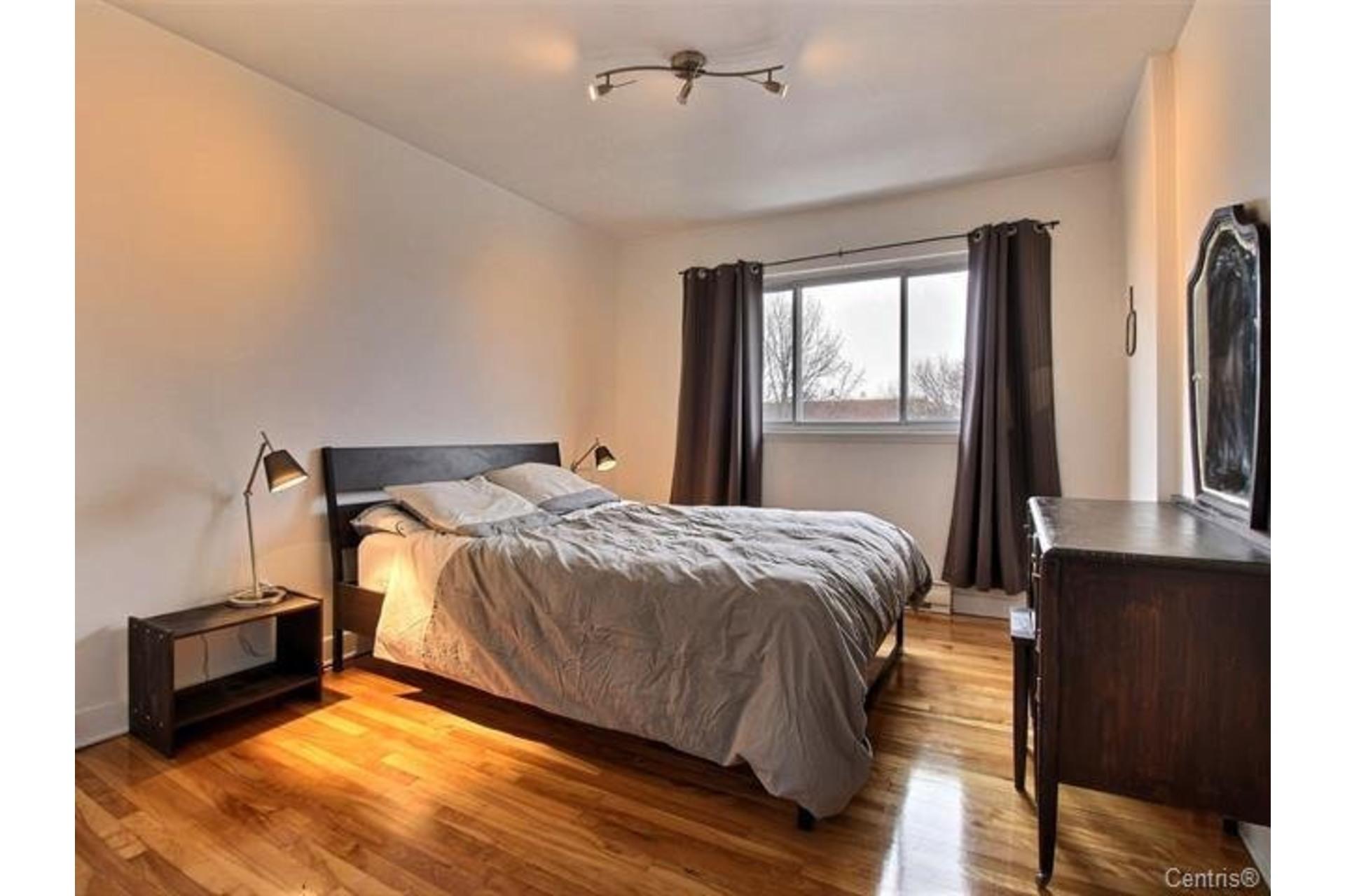 image 16 - Apartment For rent Montréal Mercier/Hochelaga-Maisonneuve  - 7 rooms
