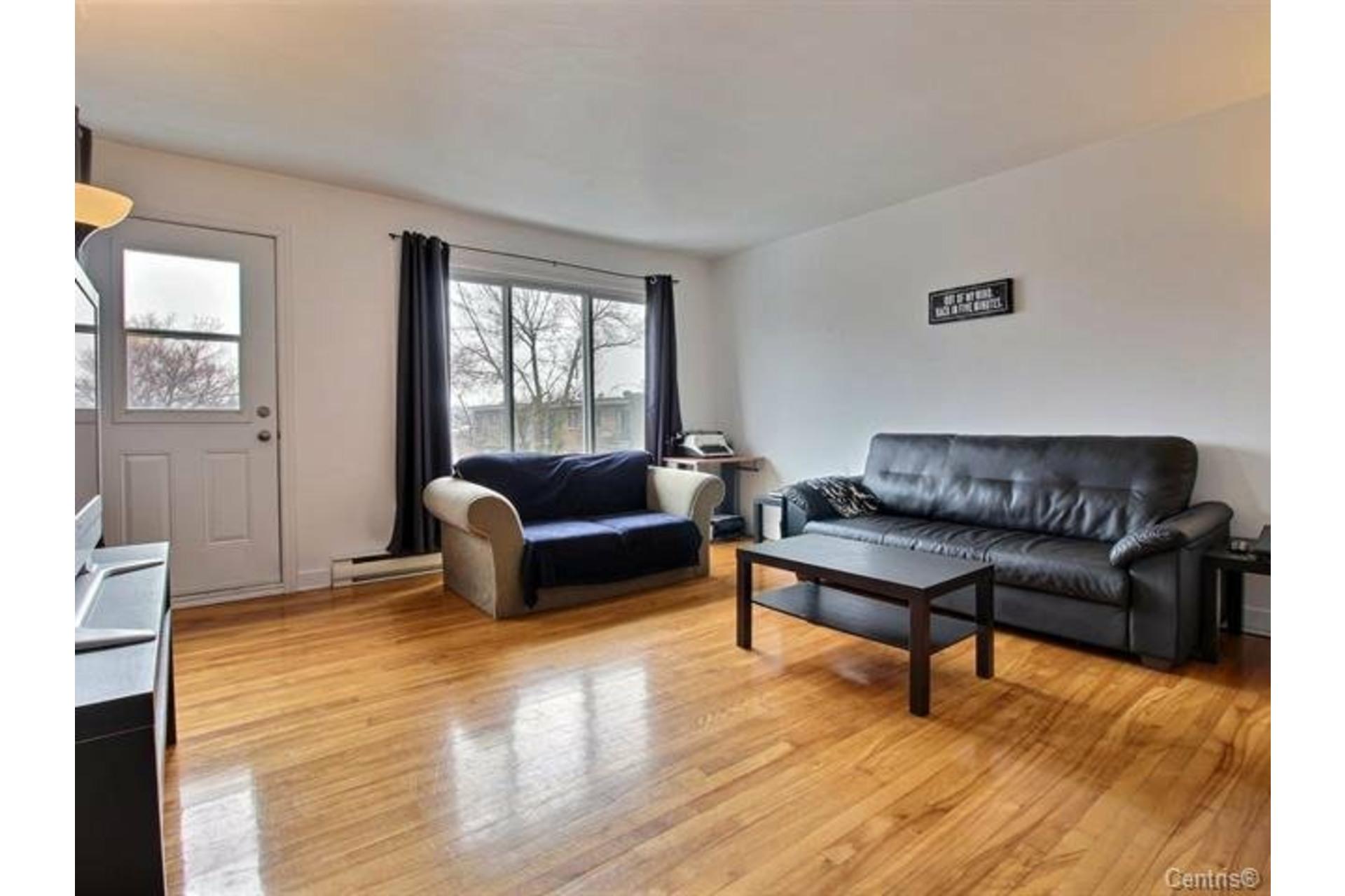 image 0 - Apartment For rent Montréal Mercier/Hochelaga-Maisonneuve  - 7 rooms