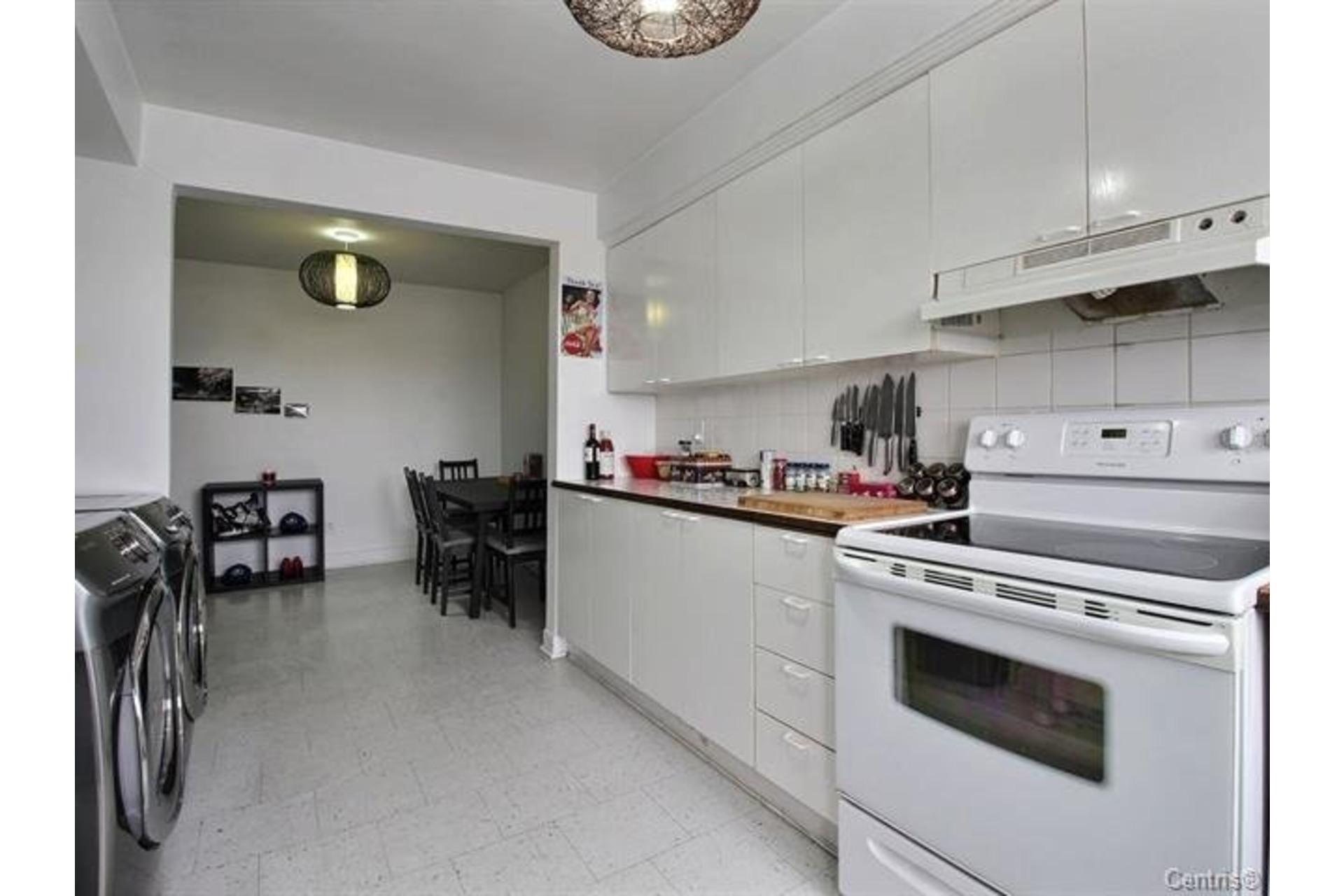 image 9 - Apartment For rent Montréal Mercier/Hochelaga-Maisonneuve  - 7 rooms