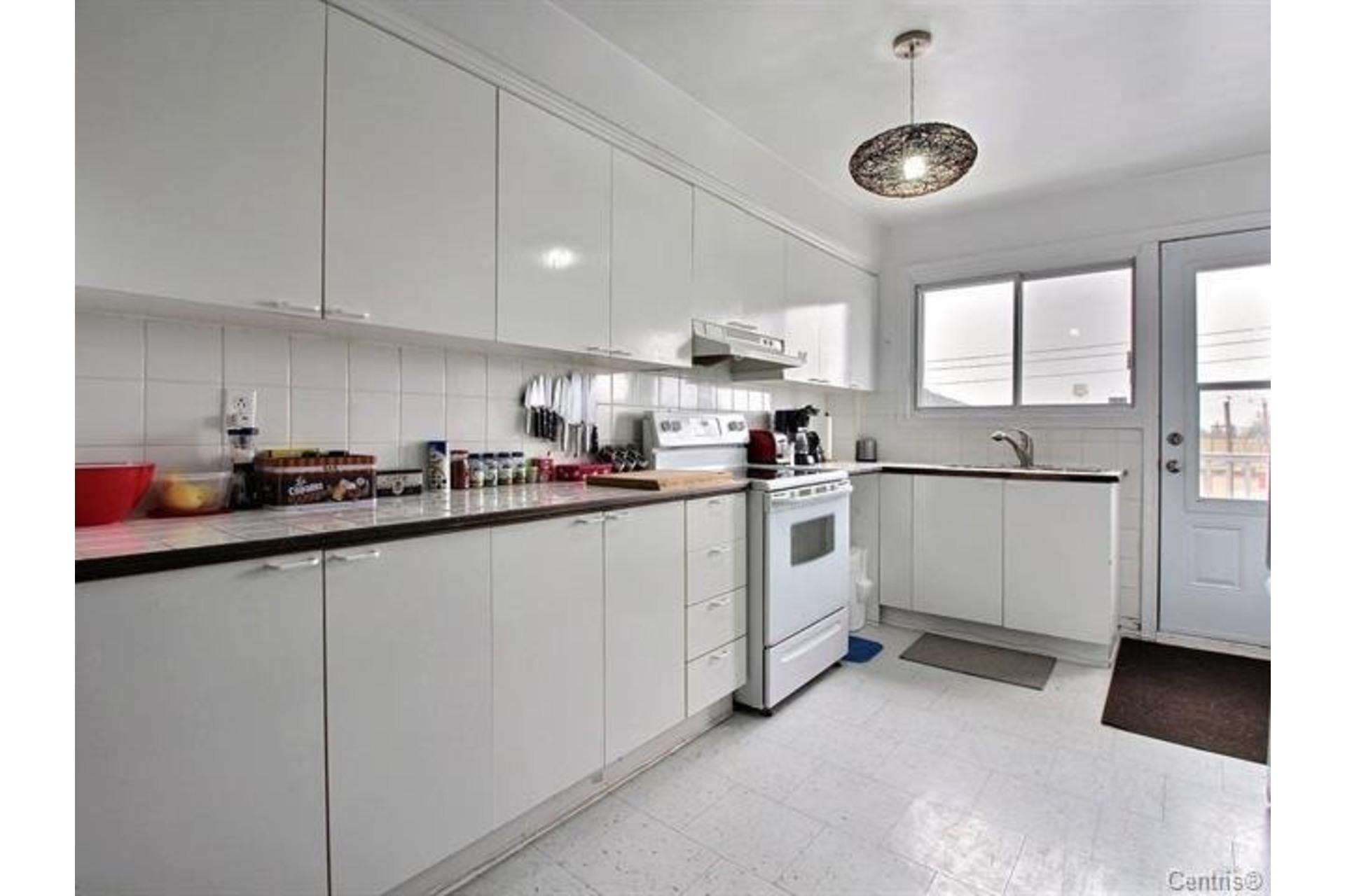 image 7 - Apartment For rent Montréal Mercier/Hochelaga-Maisonneuve  - 7 rooms