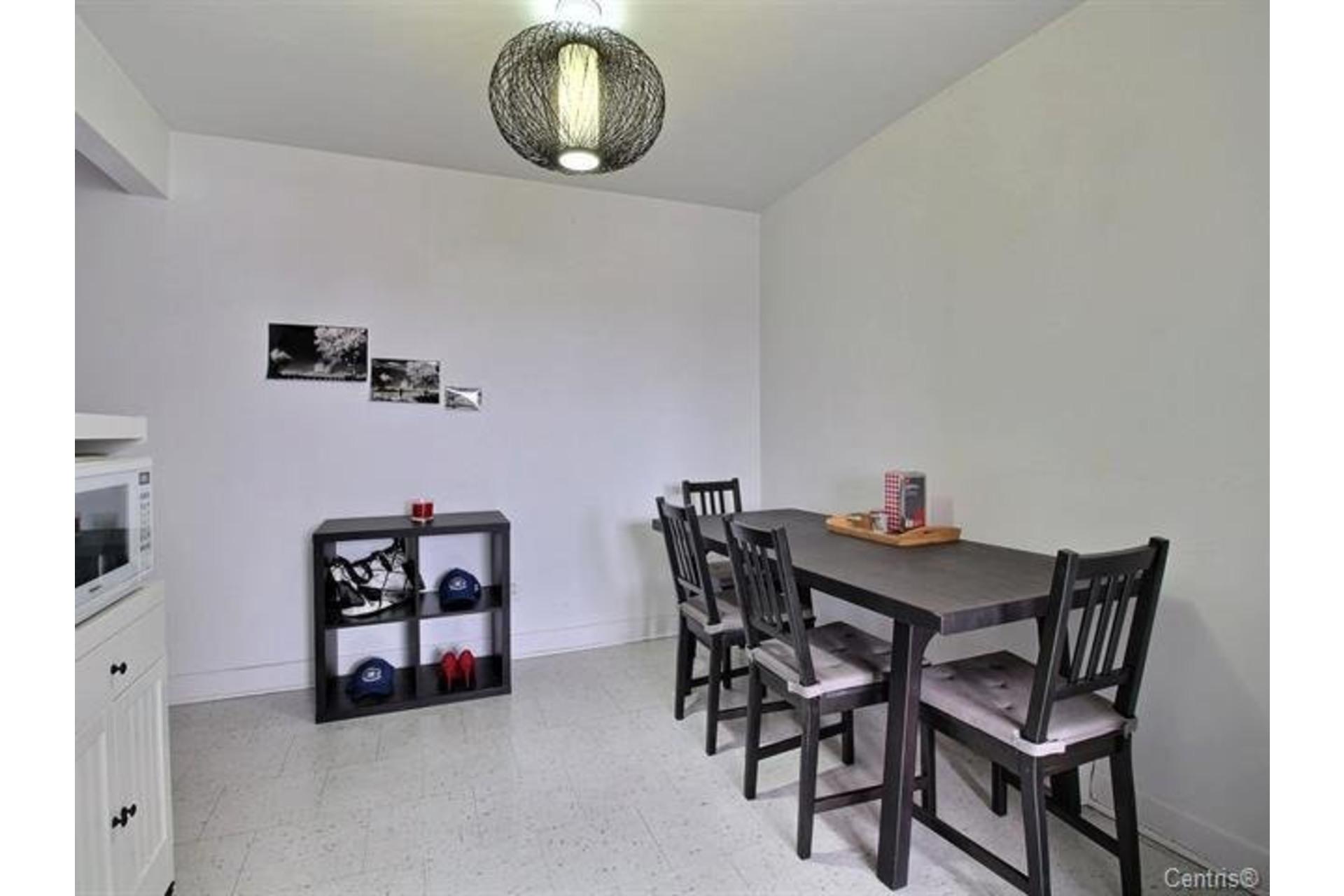 image 8 - Apartment For rent Montréal Mercier/Hochelaga-Maisonneuve  - 7 rooms