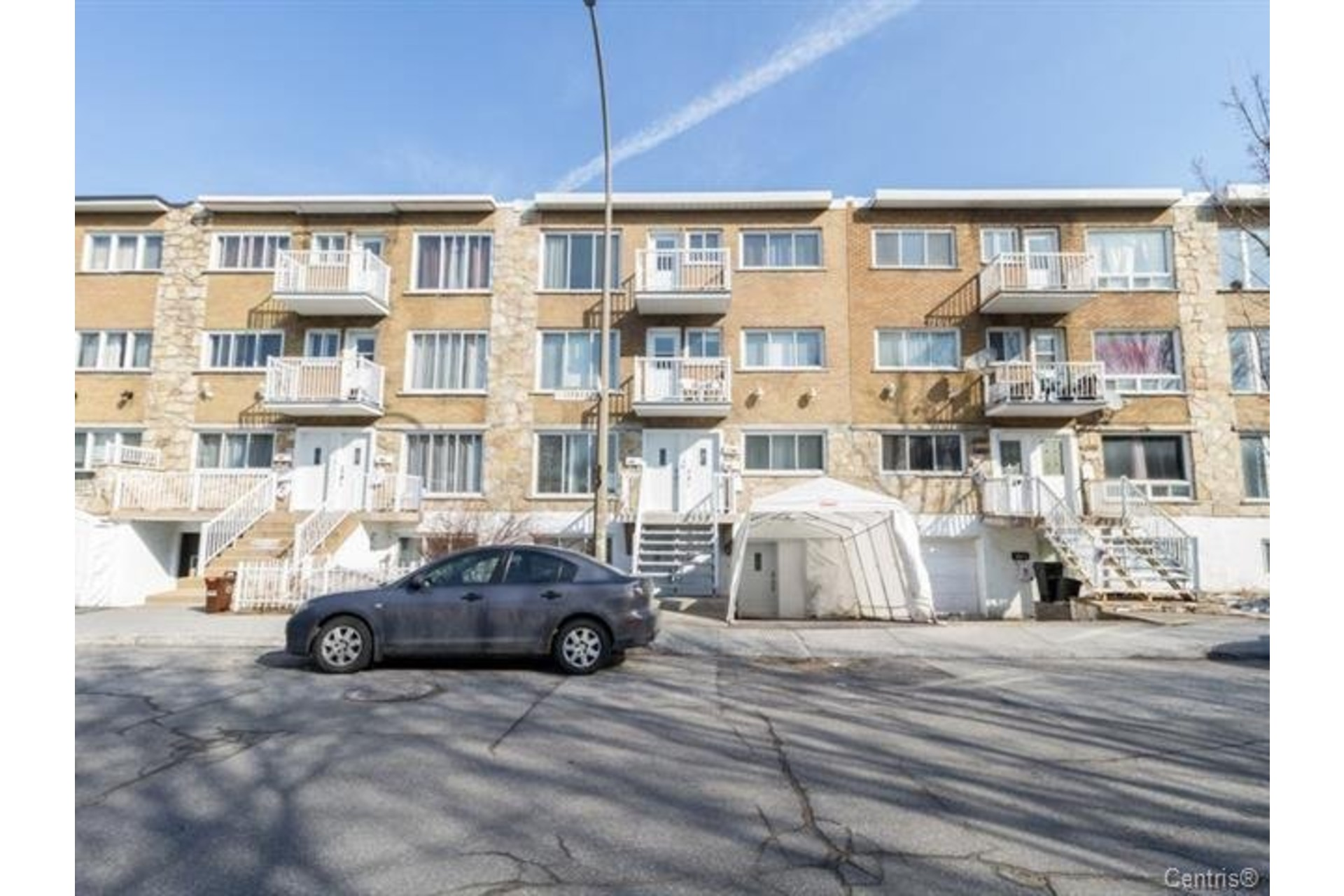 image 1 - Apartment For rent Montréal Mercier/Hochelaga-Maisonneuve  - 7 rooms
